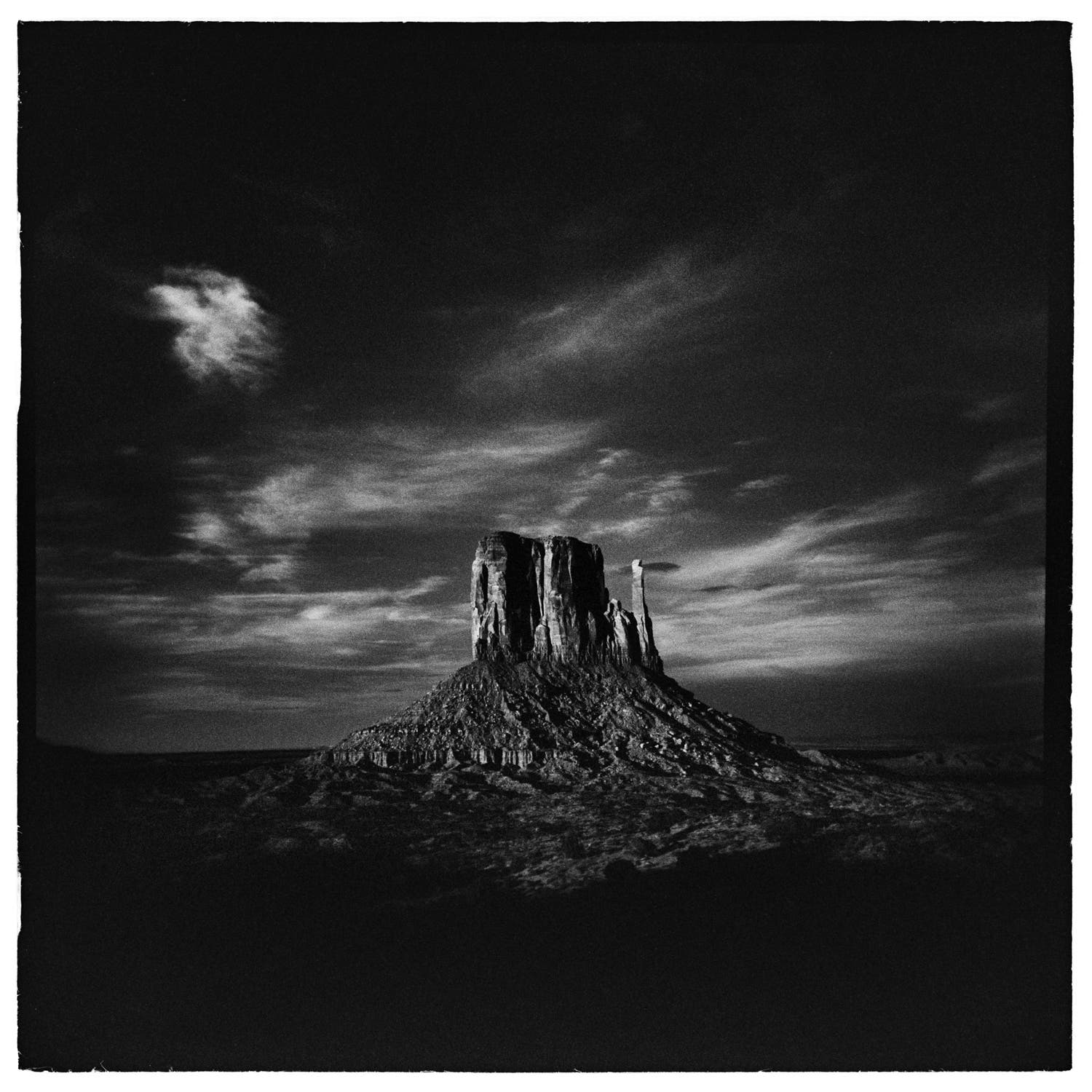 Troyce Hoffman Captures Stunning Black and White Landscapes Using a Holga