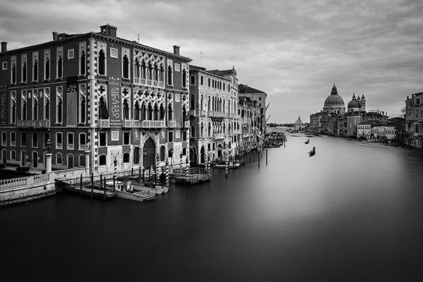 Antonello Zoffoli Presents the Beauty of Venice in Dreamy Long Exposures