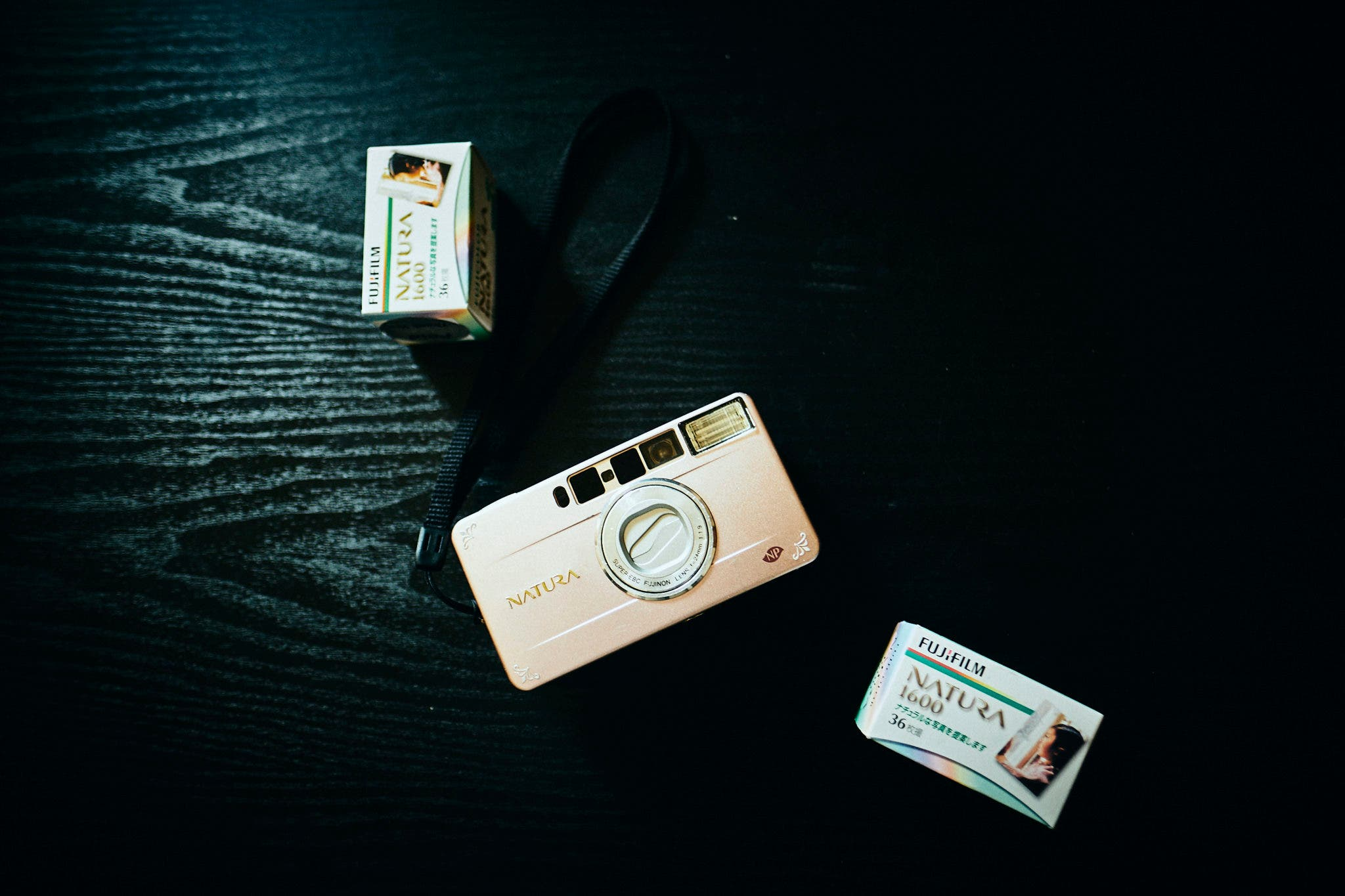 Vintage Camera Review: Fujifilm Natura S (The Best Point and Shoot You've Never Heard Of)