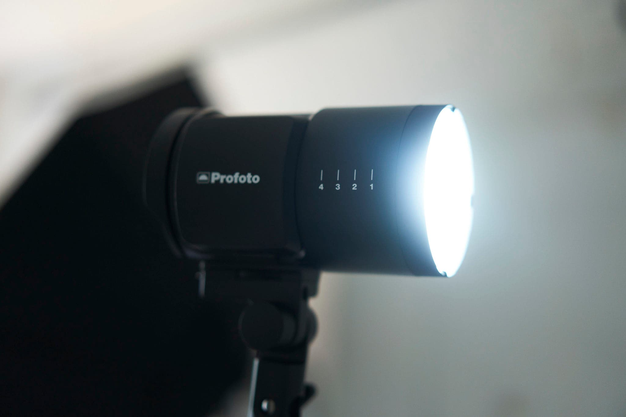 Cheap Photo: Save an Extra 10% on These Great Profoto Lights