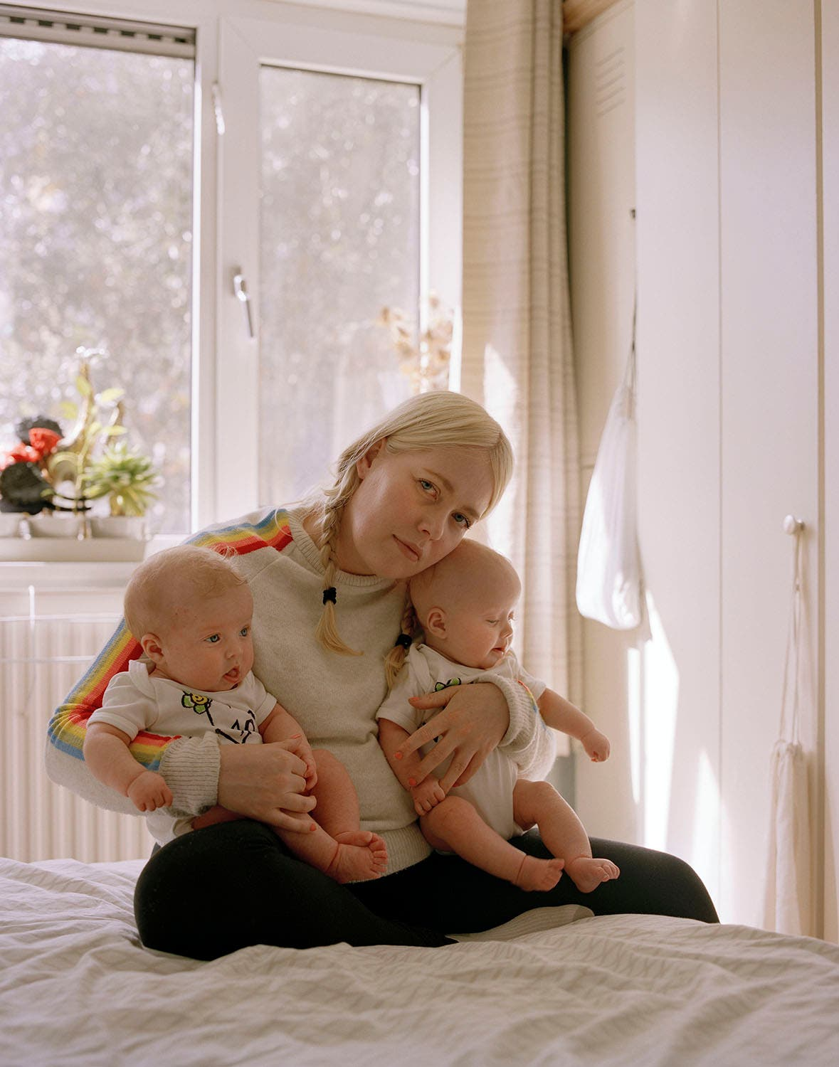 Sadie Catt Explores the Intricacies of Motherhood for Female Photographers