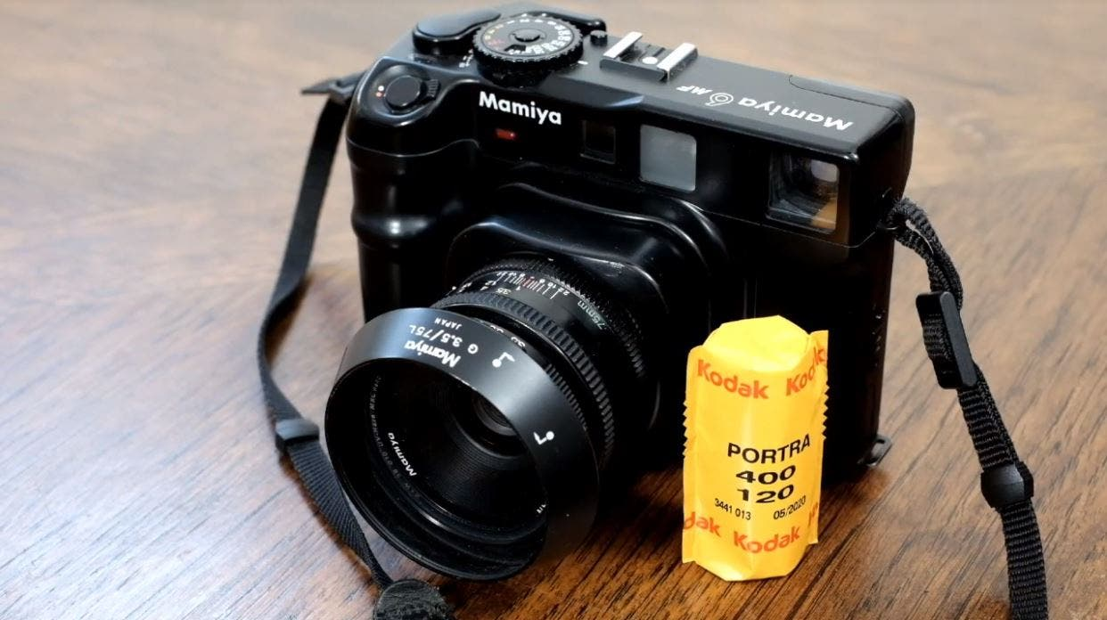 This Is NOT How to Load Medium Format Film in Your Camera