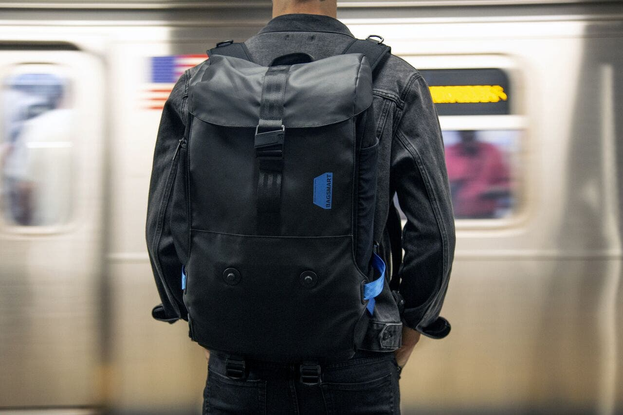 Bagsmart Xpedition Is a Fully Modular Backpack That Boasts of Perfect Weight Distribution
