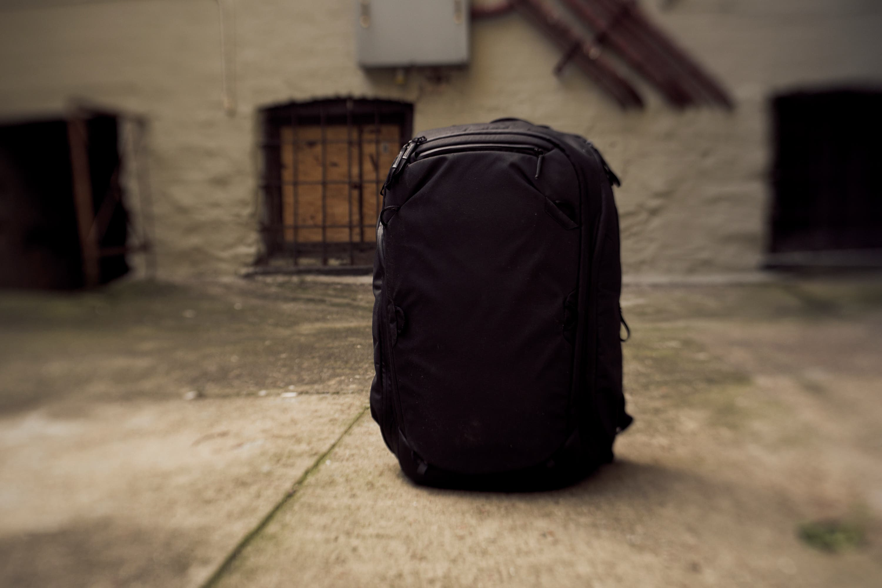 The Peak Design Travel Backpack 45L looks like a low key sort of bag. It s  got very clean lines and overall looks like a pod of some sort. 2a1c39ee8d