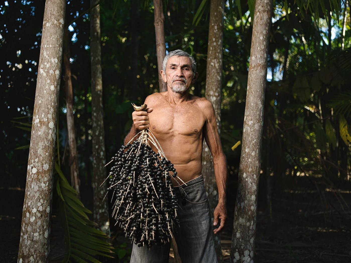 Giacomo Bruno Photographs the People of Beira do Río and Açaì, the Raw Gold of the Amazon