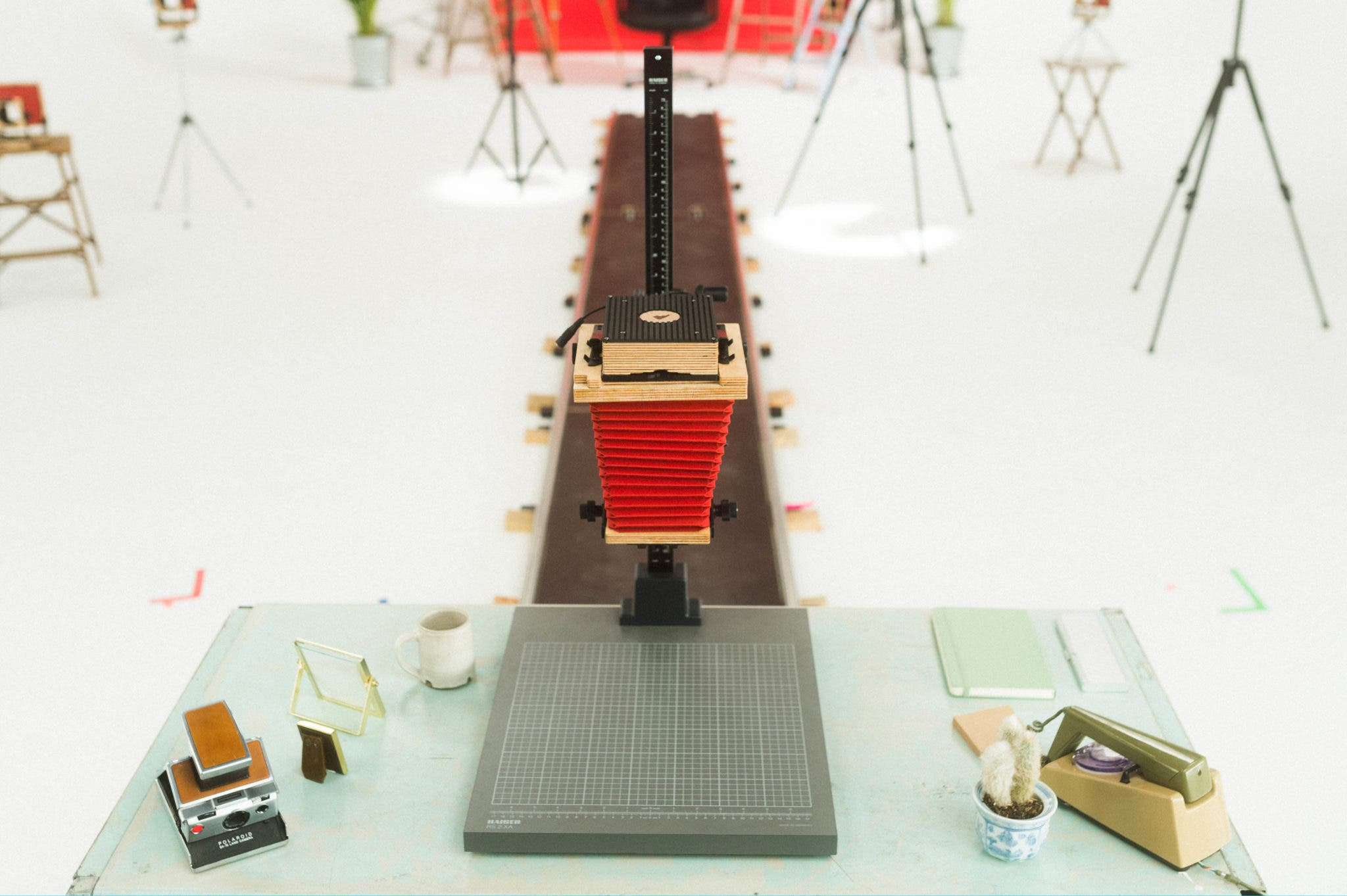 The Intrepid 4×5 Enlarger Lets You Print and Scan 35mm, 120, and 4×5 Films