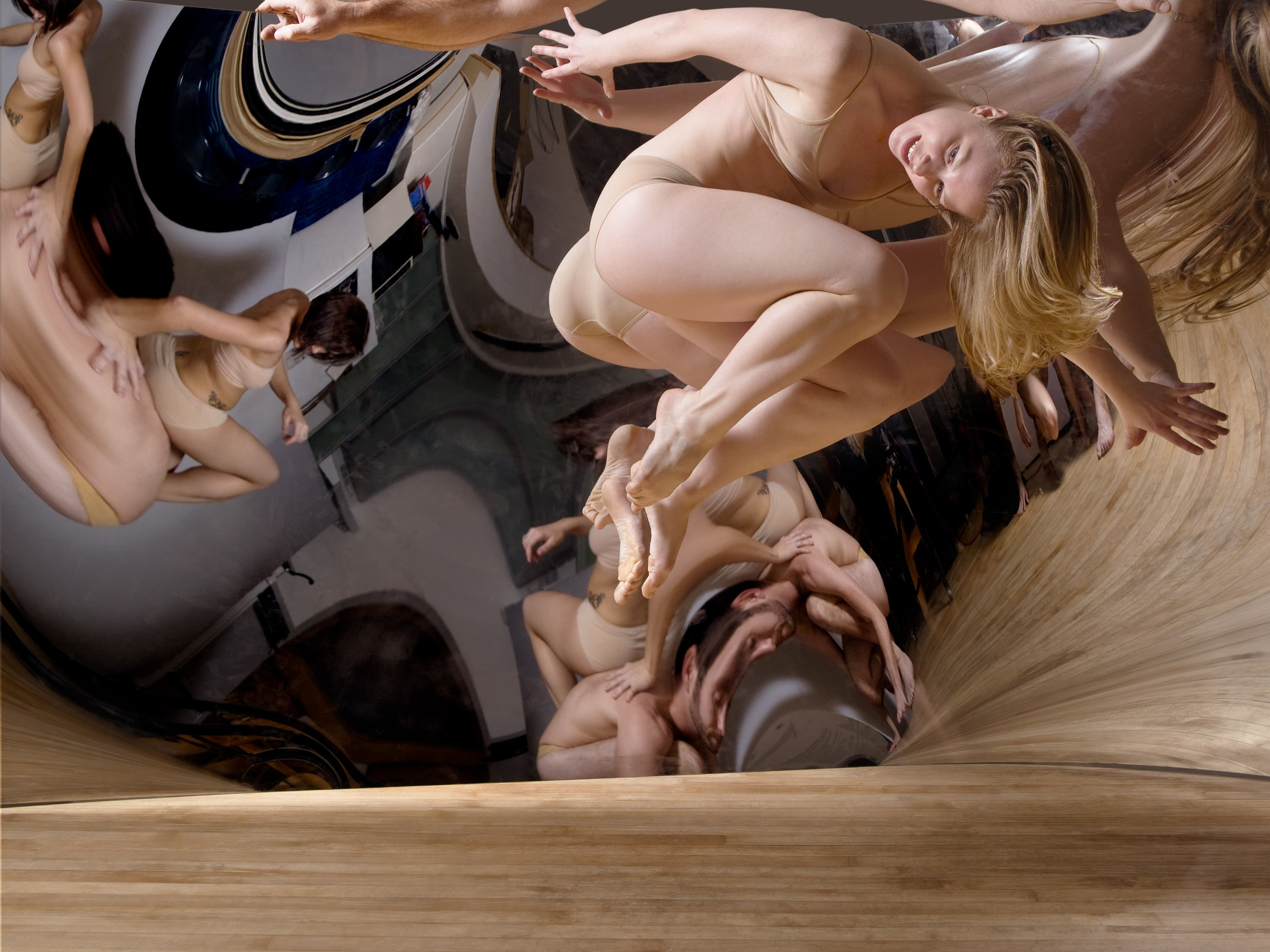 Tomorrow! Dance Photographer Lois Greenfield on Inside the Photographer's Mind LIVE!