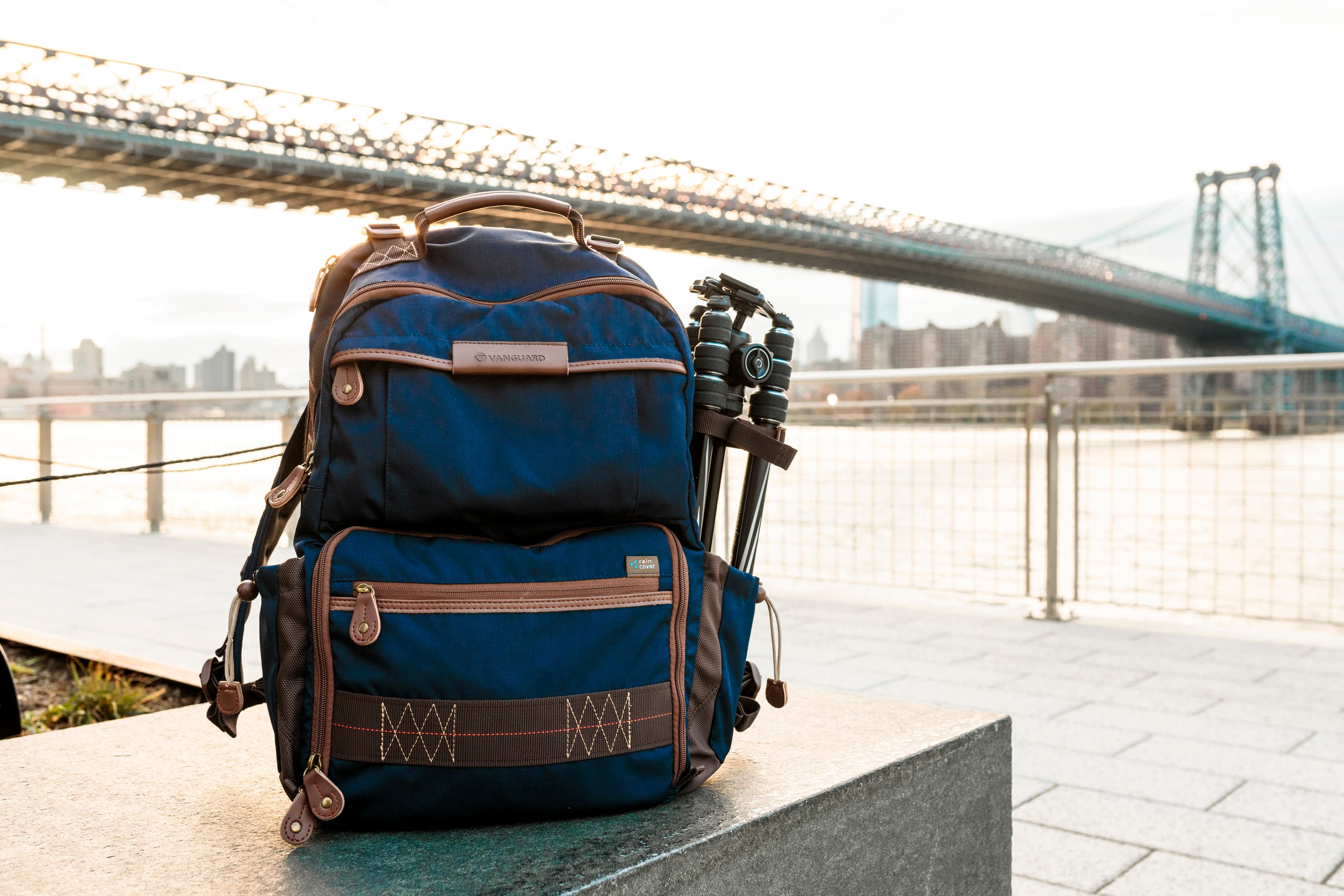 Review: Vanguard Havana 48 Blue Backpack (Their Best Backpack Yet)