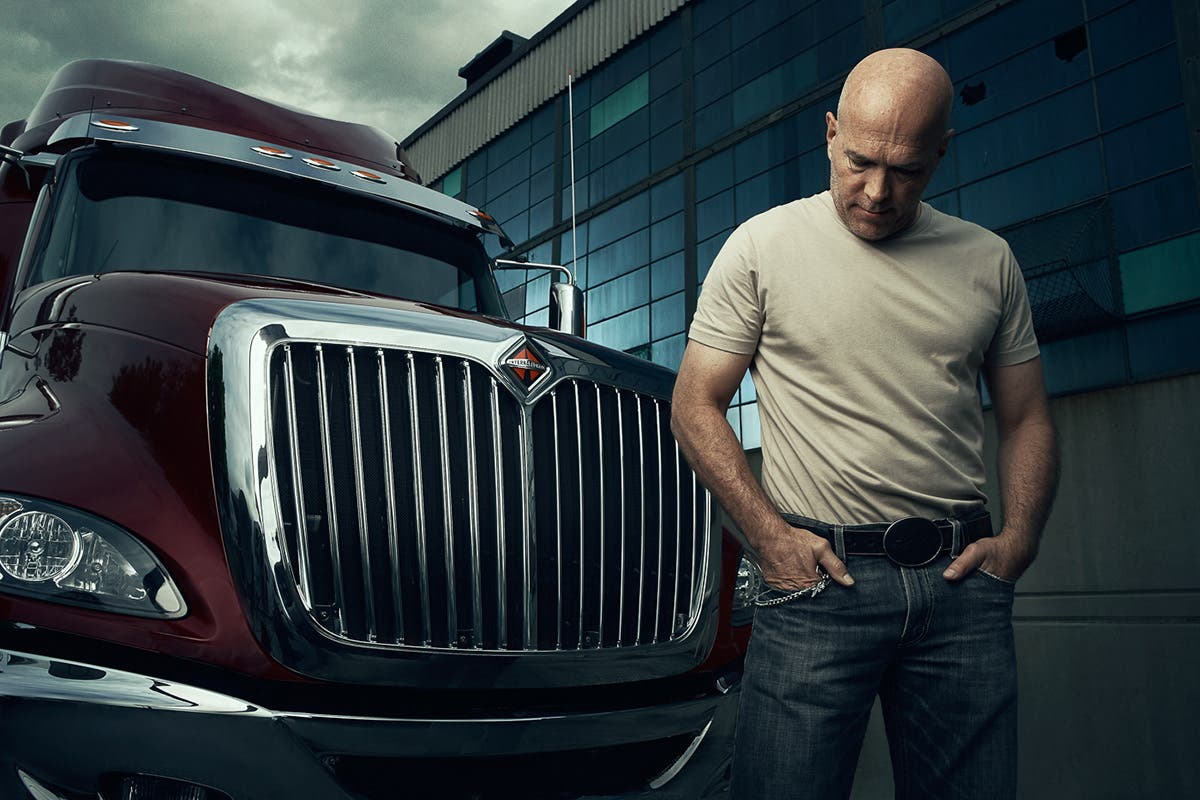 Andy Goodwin Takes Arresting Portraits of Truckers