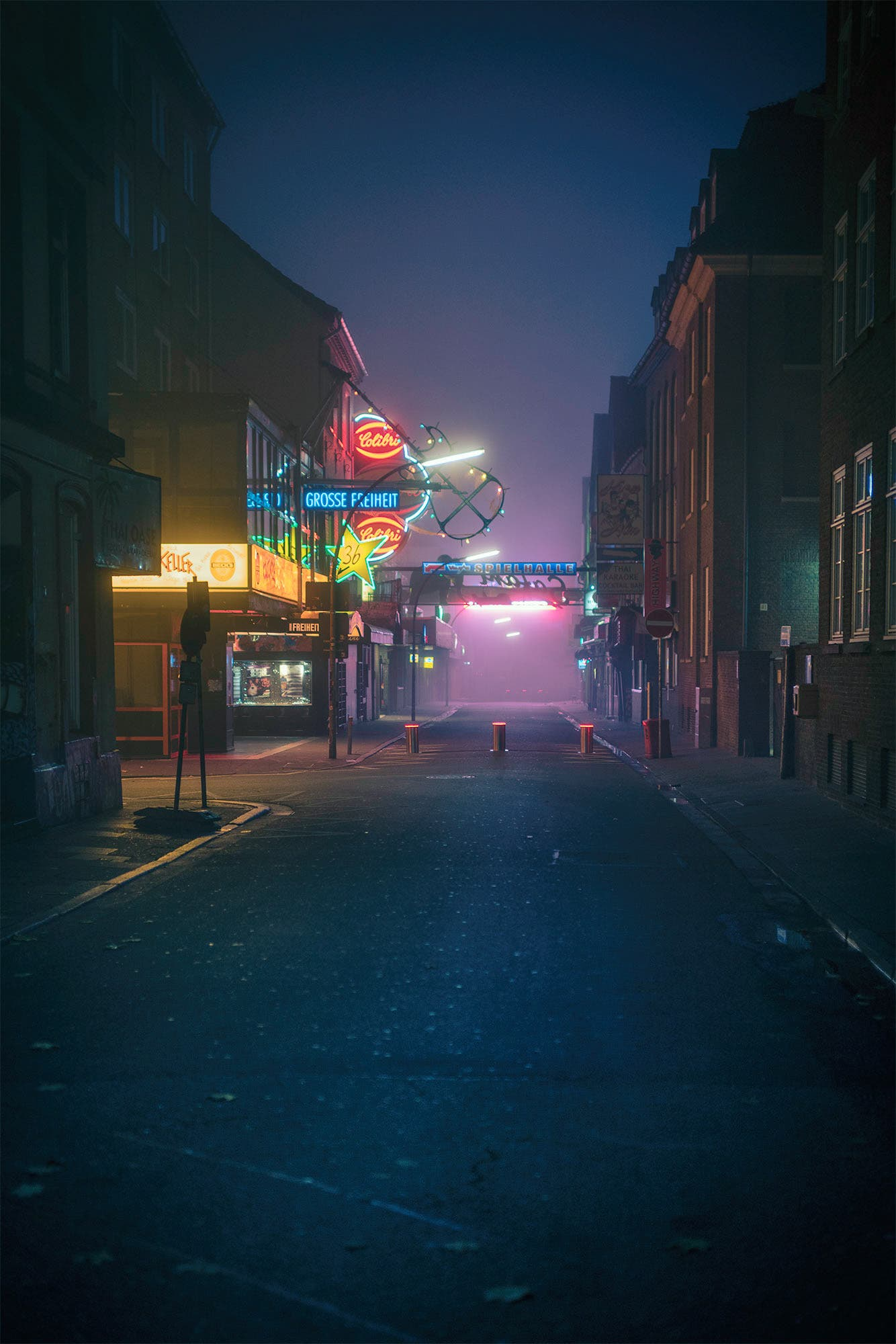 Mark Broyer Takes Us to a Foggy Early Morning Stroll in Hamburg