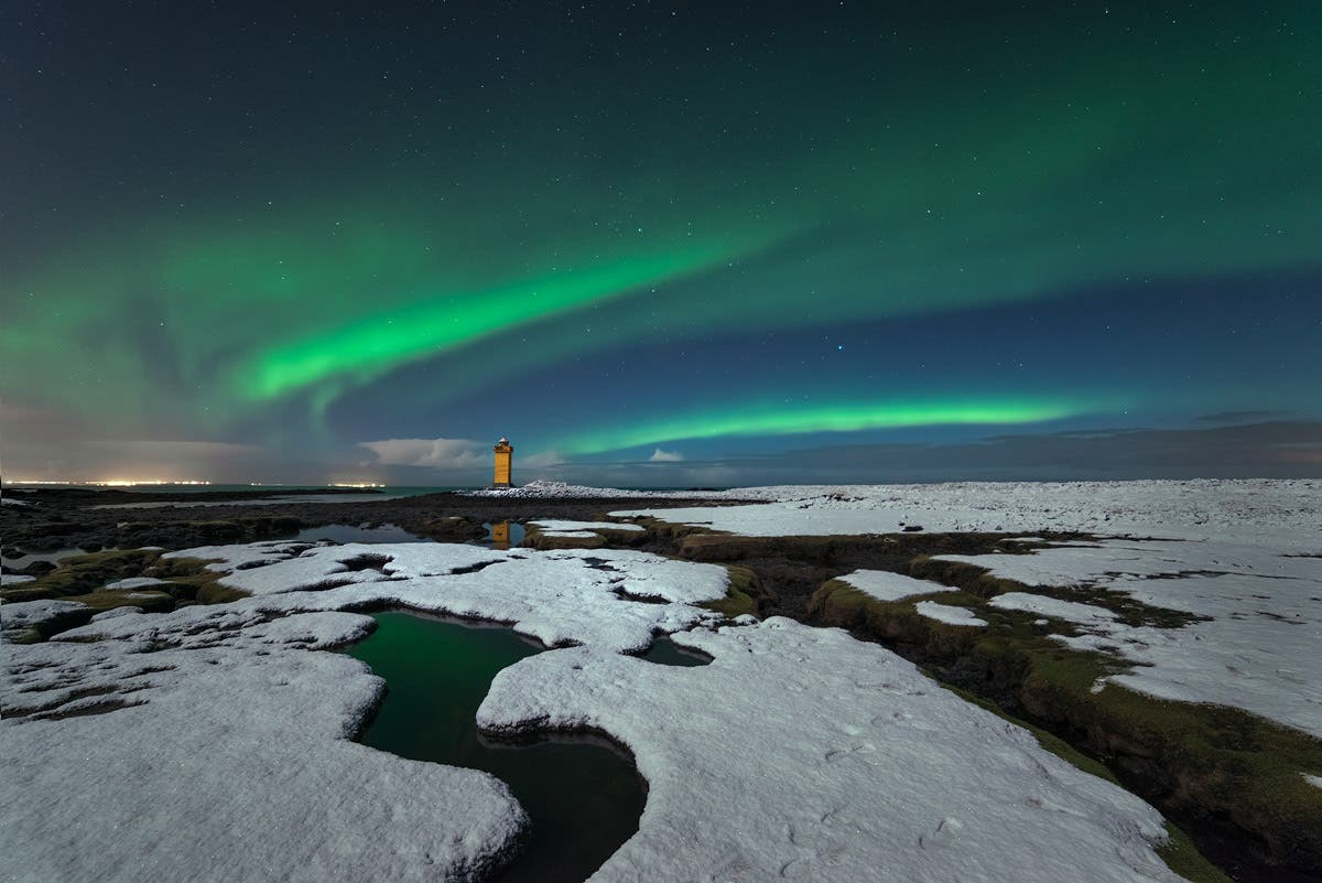 Christian Hoiberg Captures the Aurora Borealis in Beautiful Color