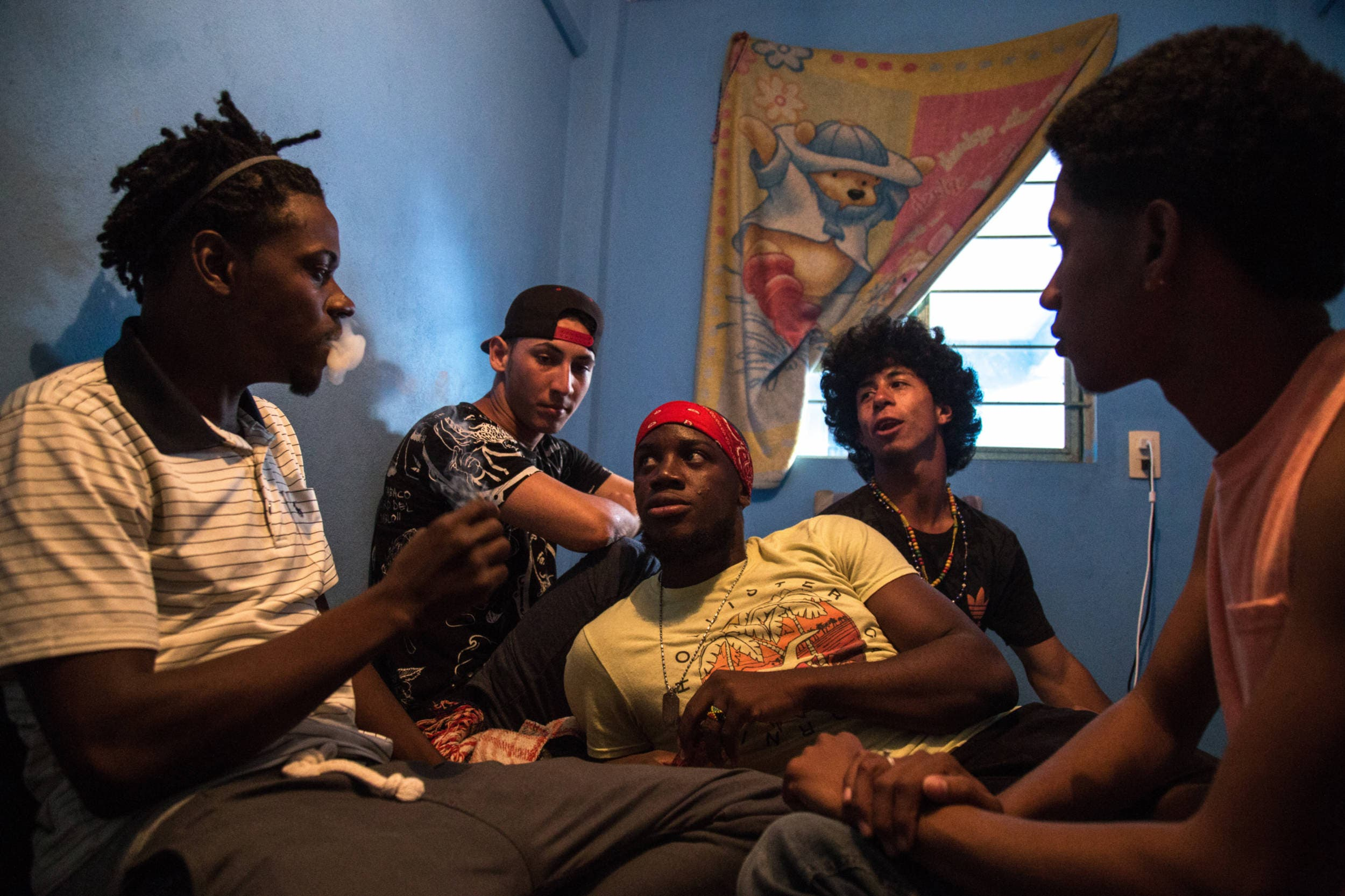 Tomas Ayuso Shows Why the Honduran Youth Are Fighting for the Right to Grow Old - The Phoblographer