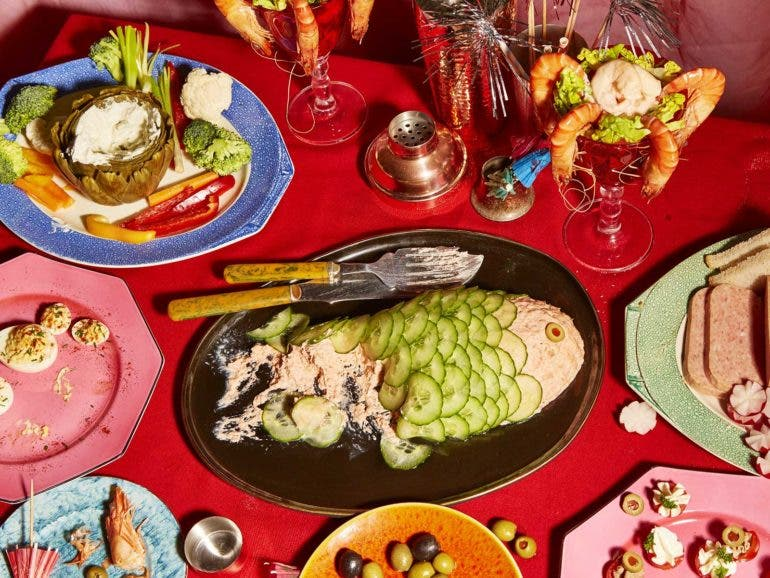 Graceland: Food Photography Inspired By Elvis And Priscillau0027s Fantasy  Wedding Buffet