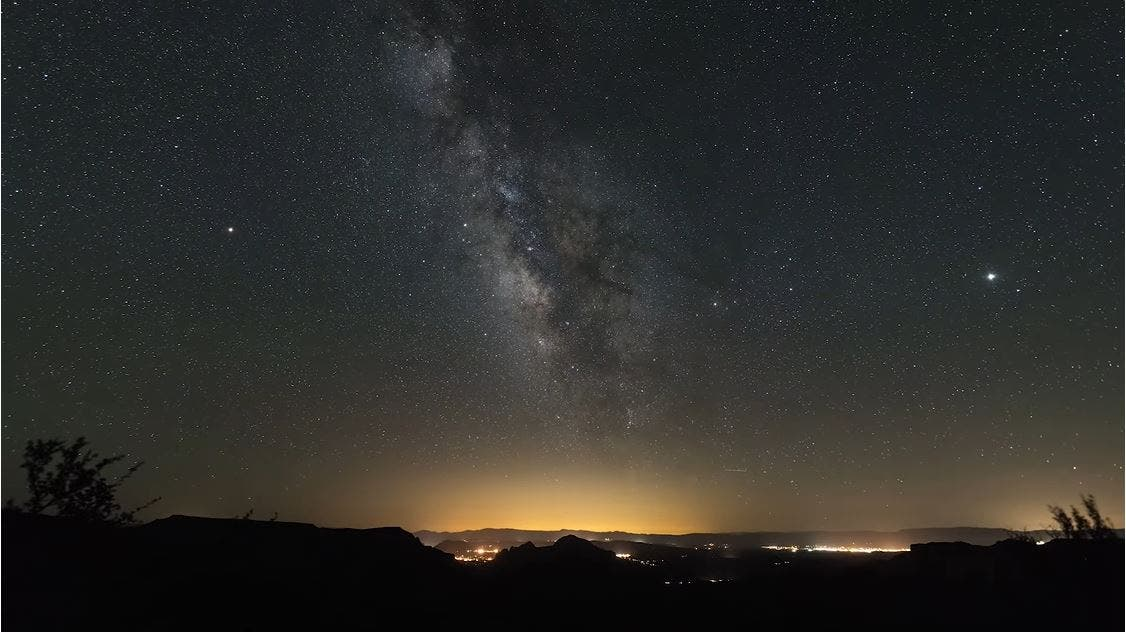 Learn How to Shoot Stunning Milky Way Photos in 5 Minutes