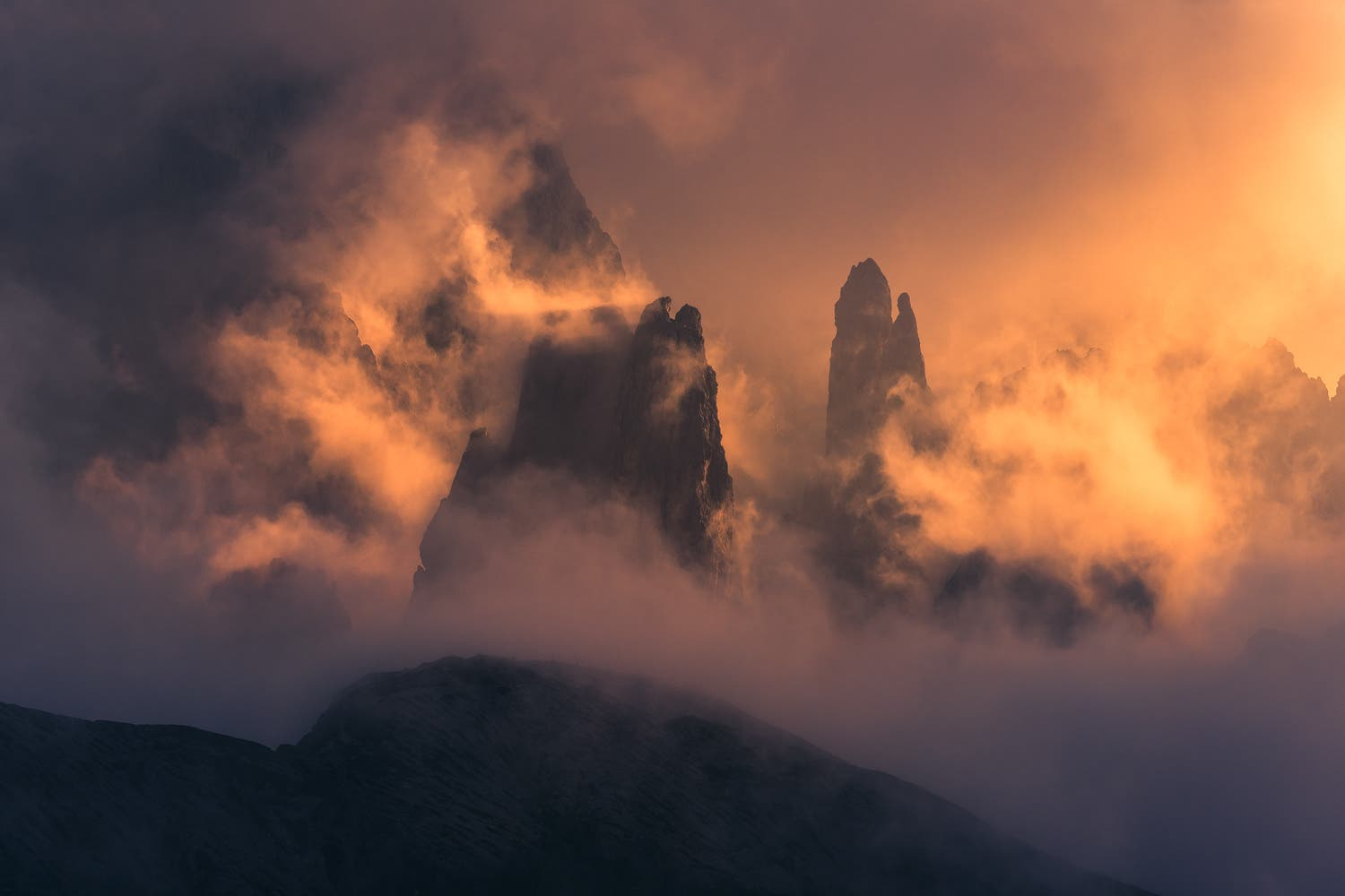 Stian Klo Reveals the Stunning Color Palette of Northern Italy's Autumn Landscapes