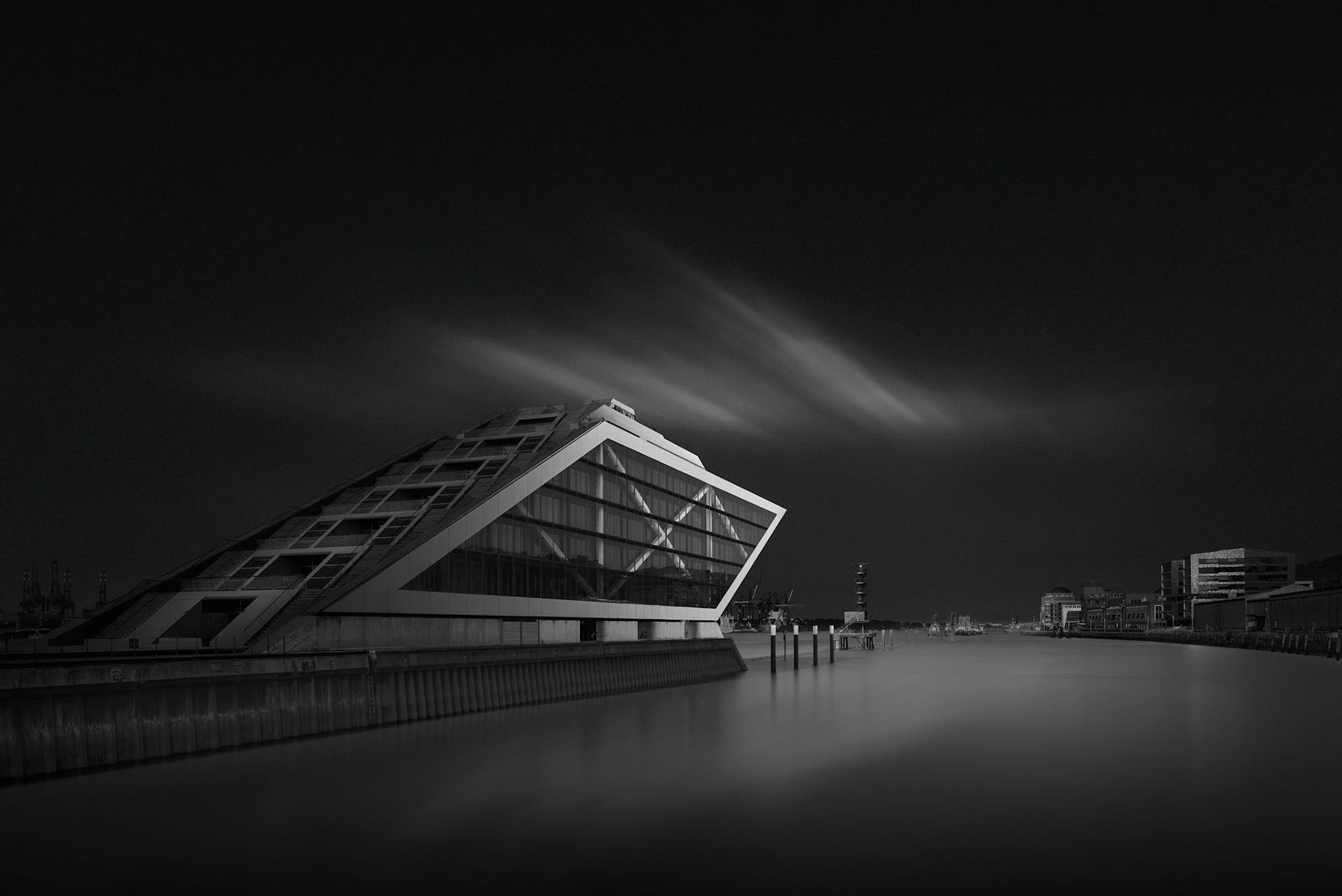 Oscar Lopez's Stunning Black and White Architectural Photography