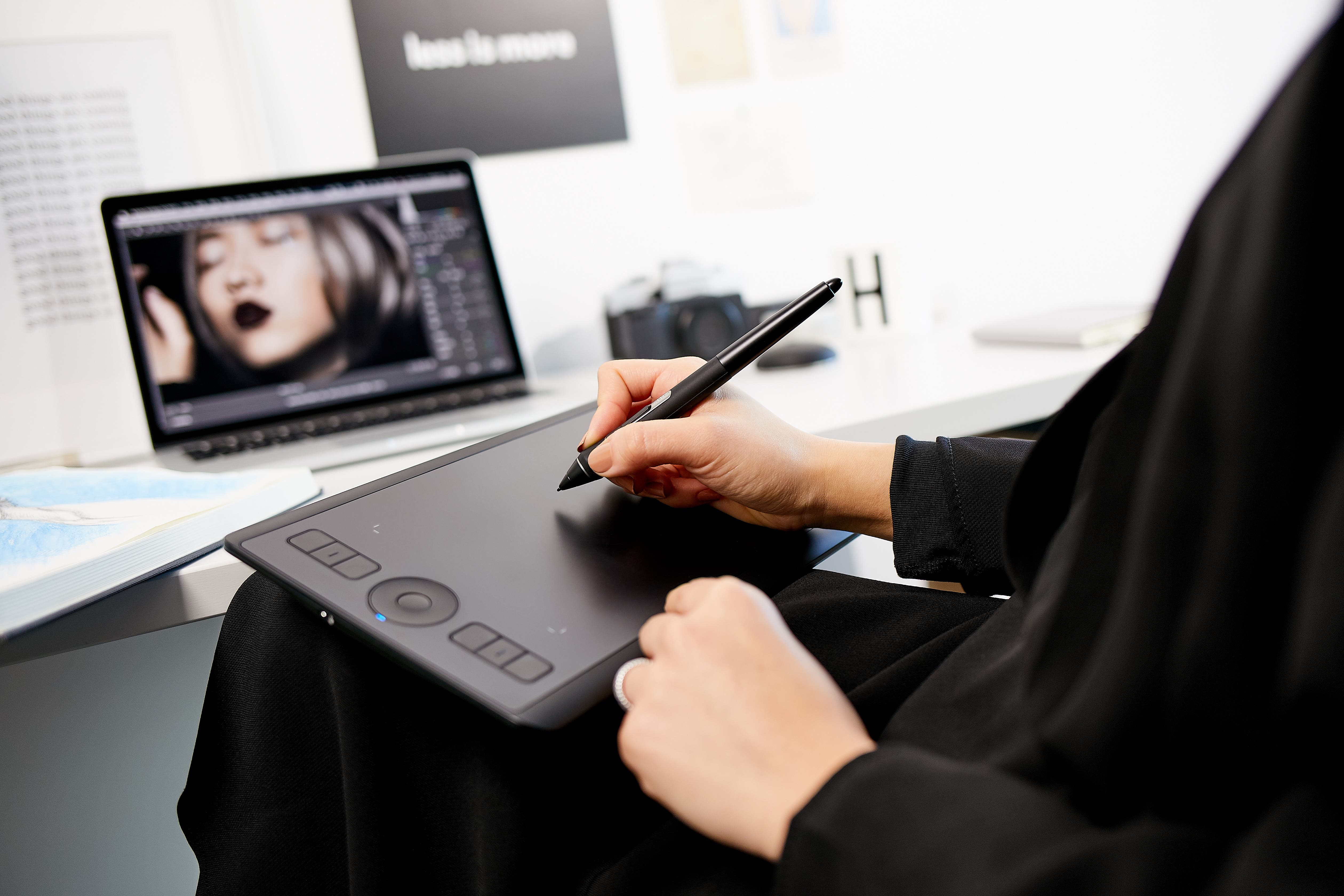 Wacom Completes Advanced Pen Tablet Series with New Intuos Pro Small
