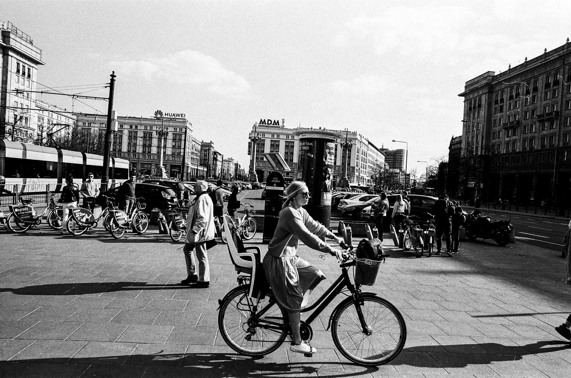 Erik Witsoe Uses Rollei Superpan 200 to Shoot Street Photography