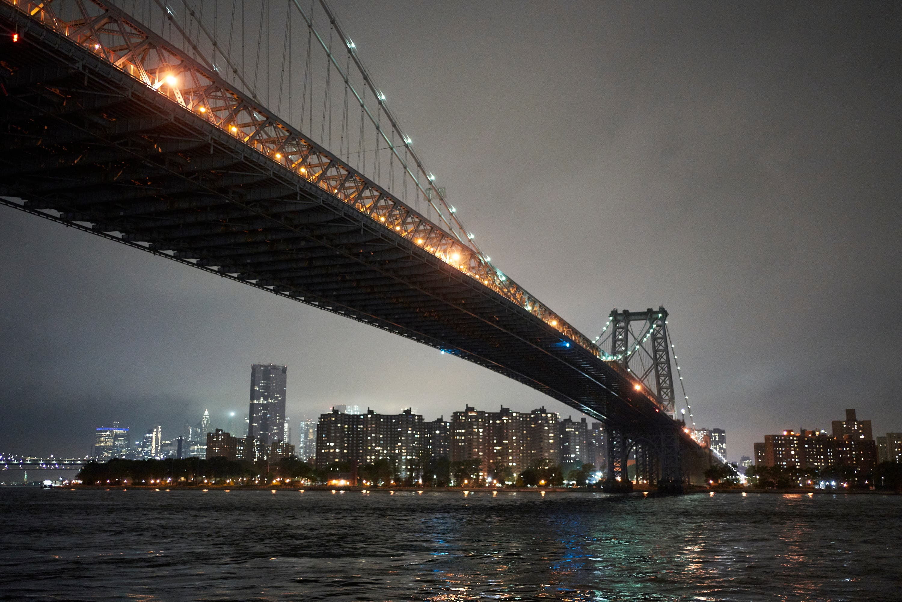 Photography Cheat Sheet: Shooting Long Exposures of Night City Scenes
