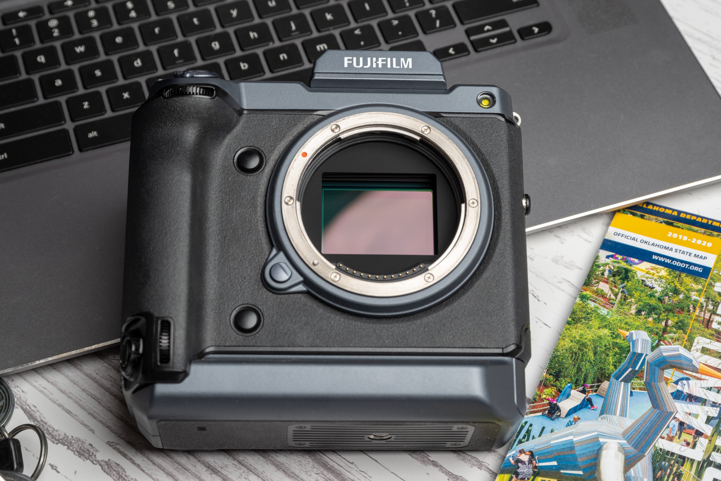 Review: Fujifilm GFX 100 (A Revolution in High Megapixel Imaging)
