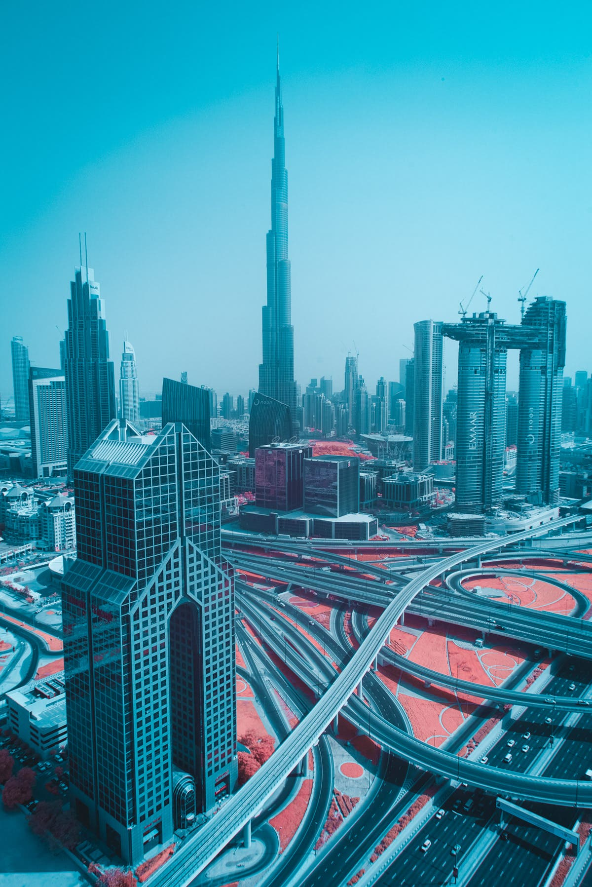 Paolo Pettigiani Reimagines Dubai as a Surreal Infrared Metropolis