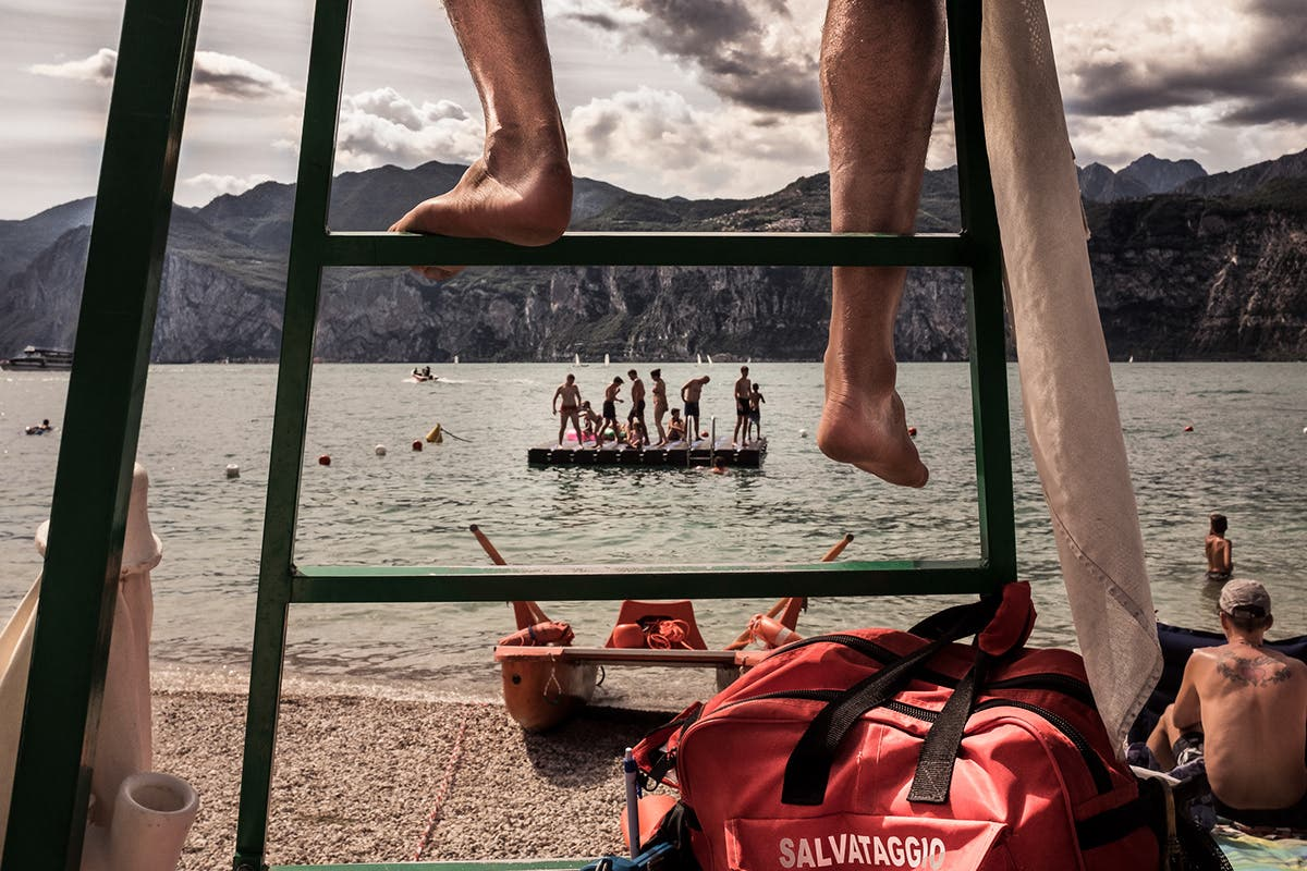 Skander Khlif: Laid-Back Travel Scenes from Lago Di Garda