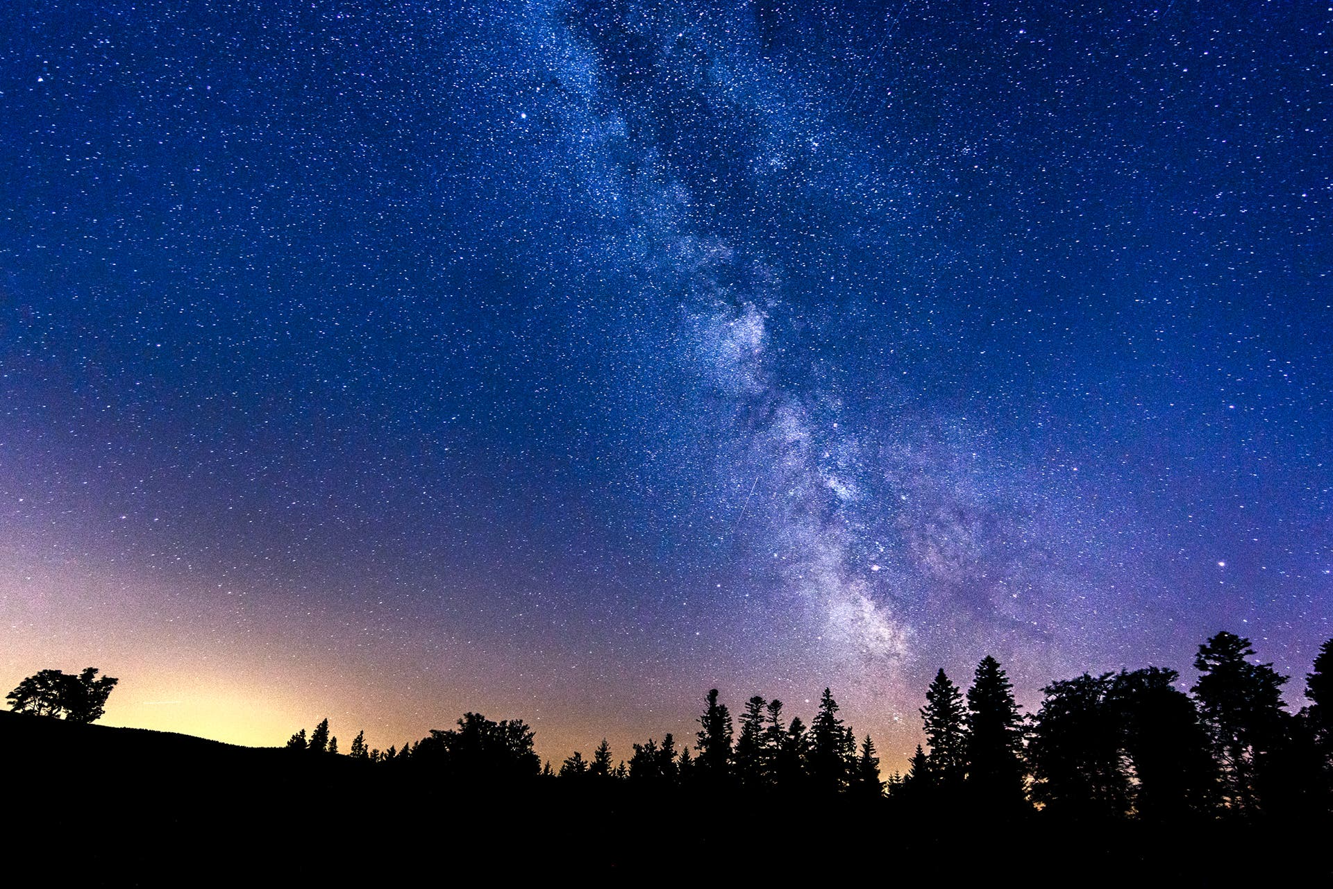 Damien Guiot: Summer Nightscapes to Make You Long for Starry Nights