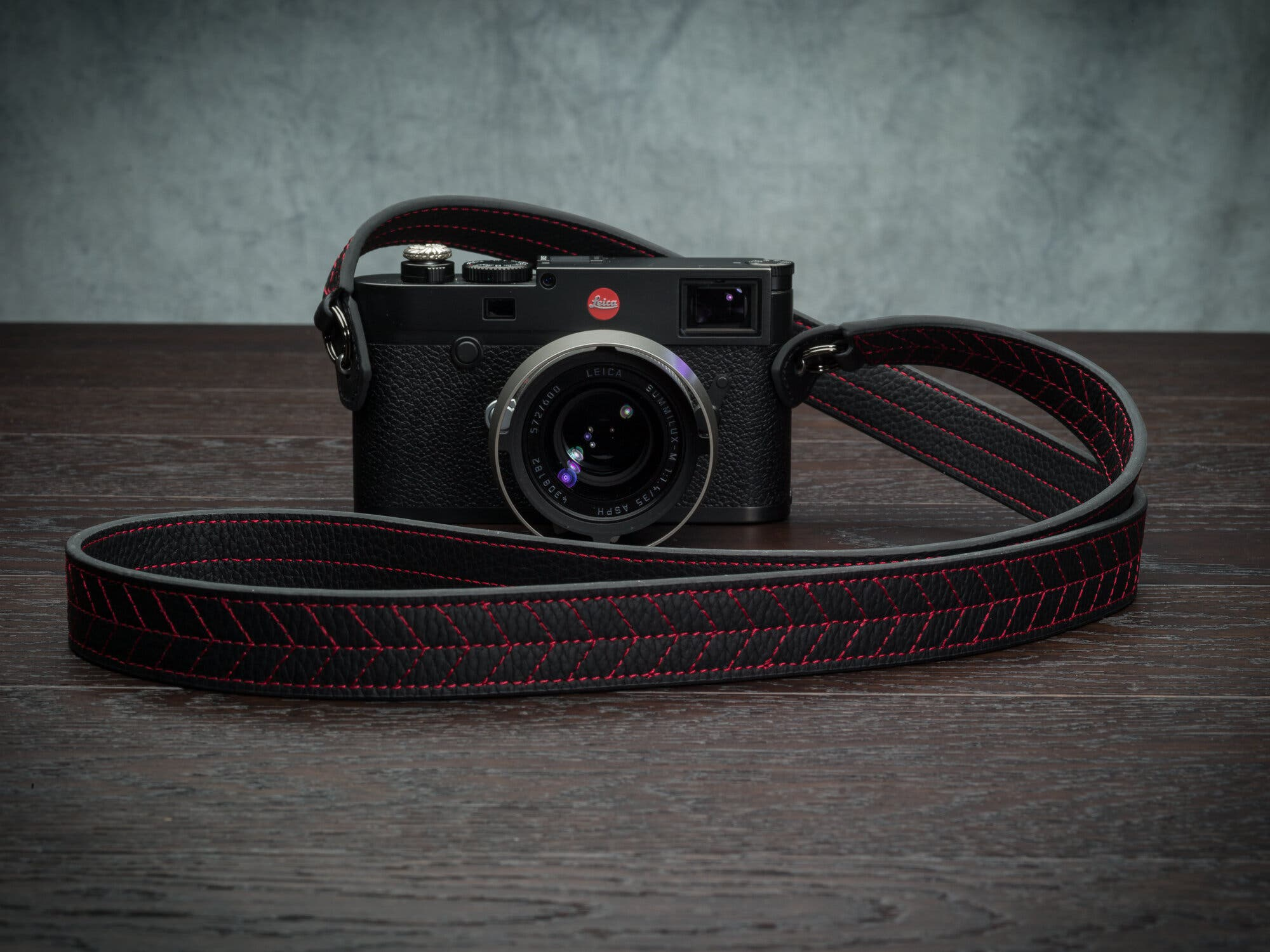 The New Racing Inspired Vi Vante Classic Tread Camera Strap Is Out Now