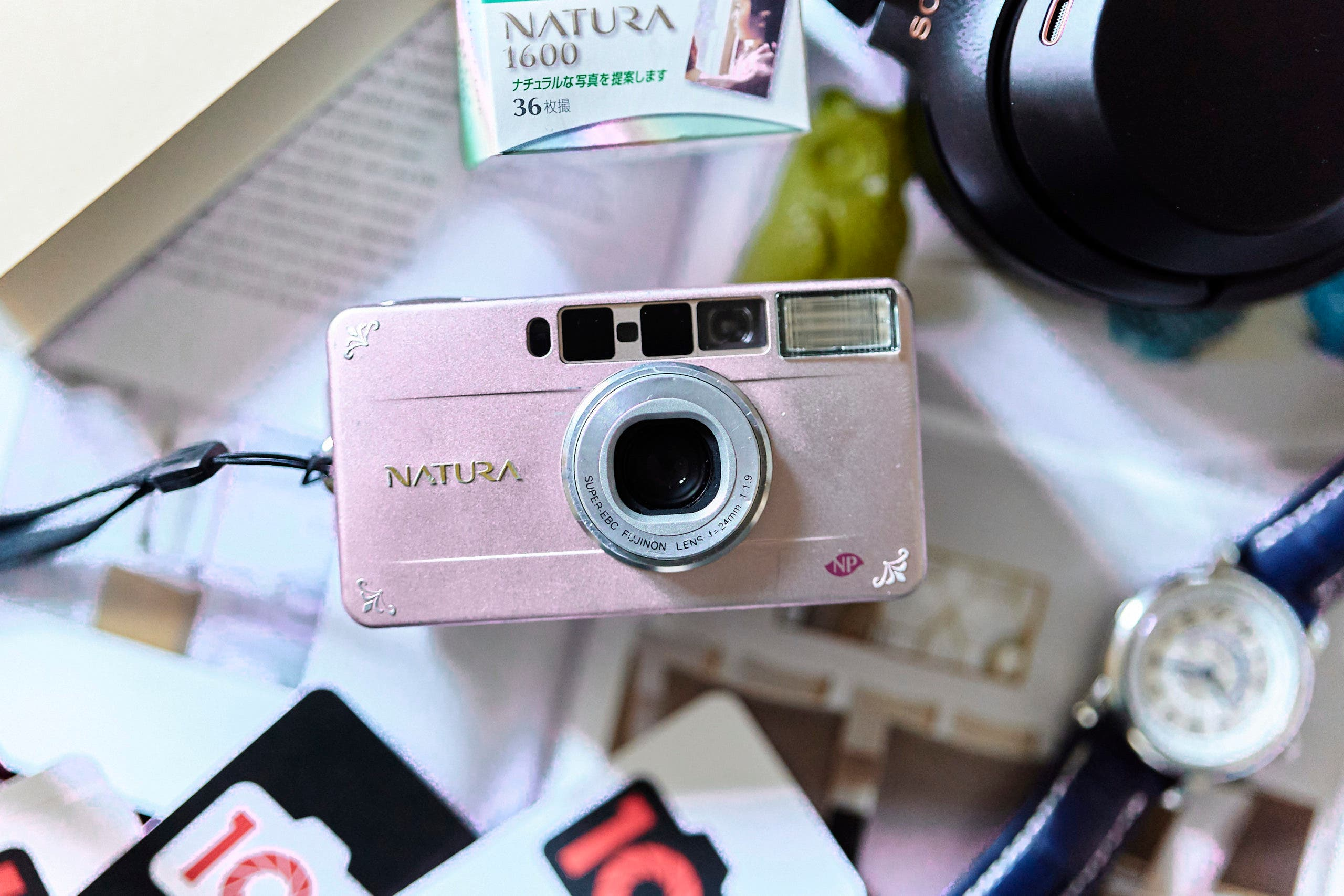 Why the Fujifilm Natura S Is the Perfect, Care-Free Camera for Parties