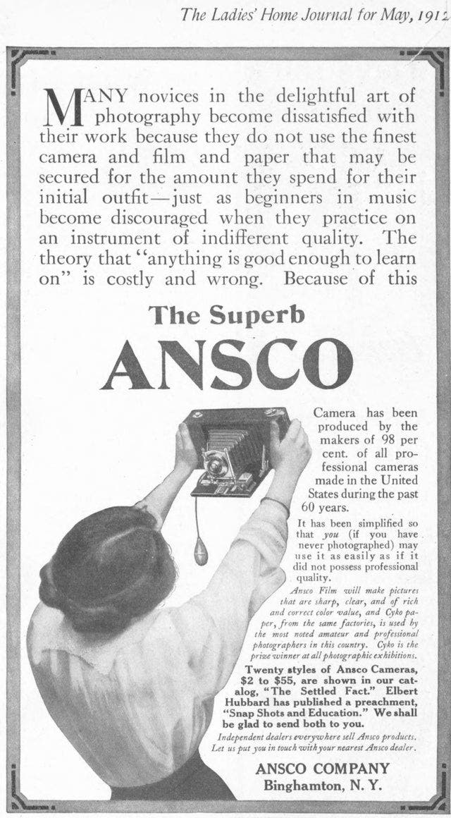 This Vintage Camera Ad Shows Us How to Selfie in 1912