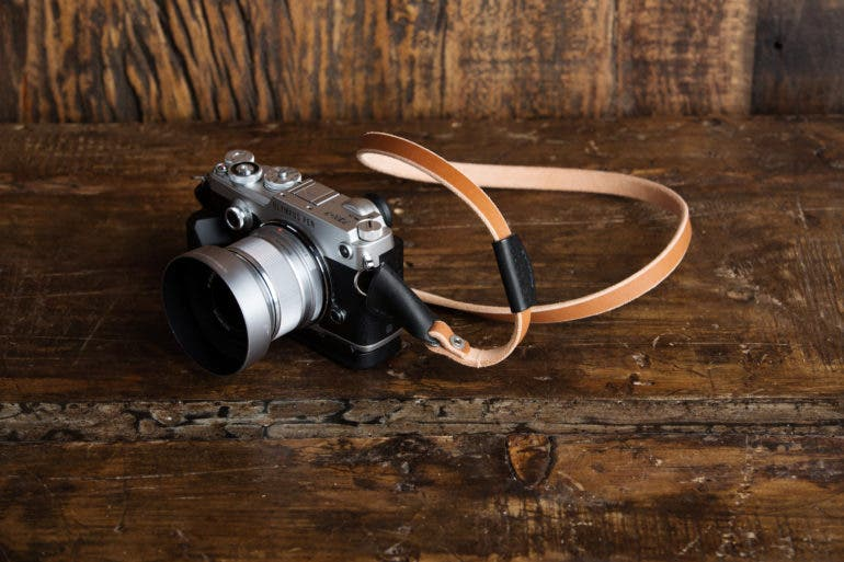 The New HoldFast Classic Camera Strap Is Both Simple and Classy