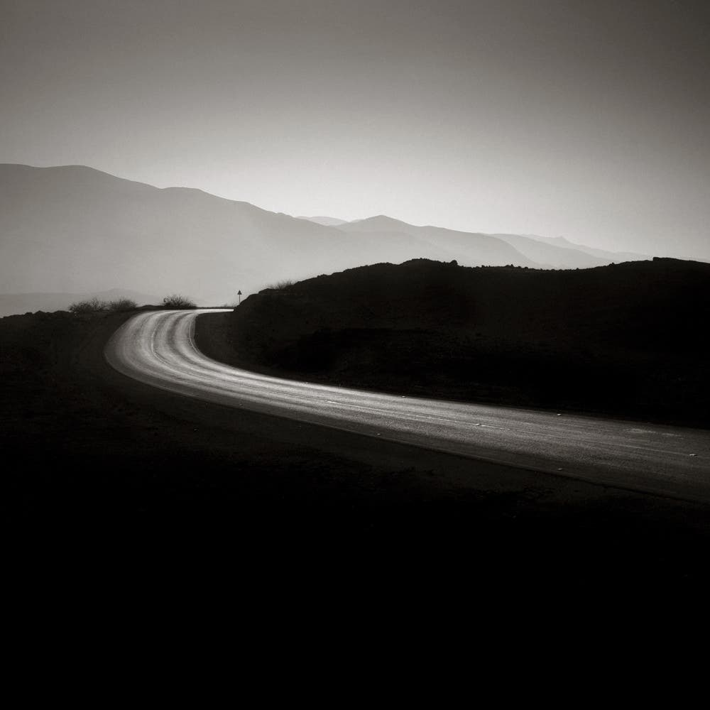 Hengki Koentjoro: Dramatic Black and White Roads of Mount Nebo