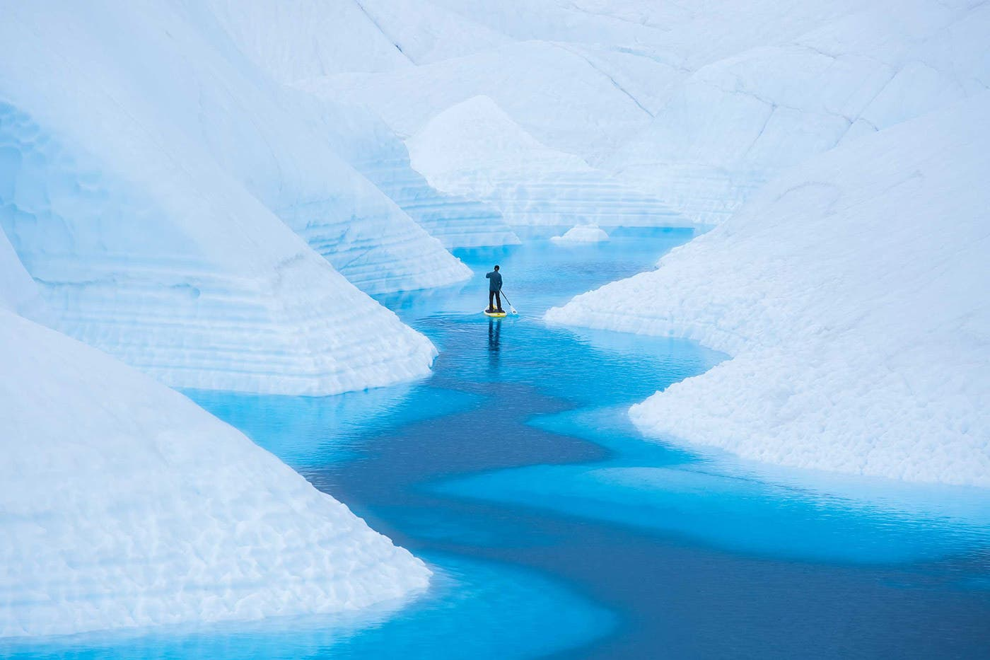 """Paddling Tranquility"" Showcases the Epic Glacier Landscapes of Alaska"