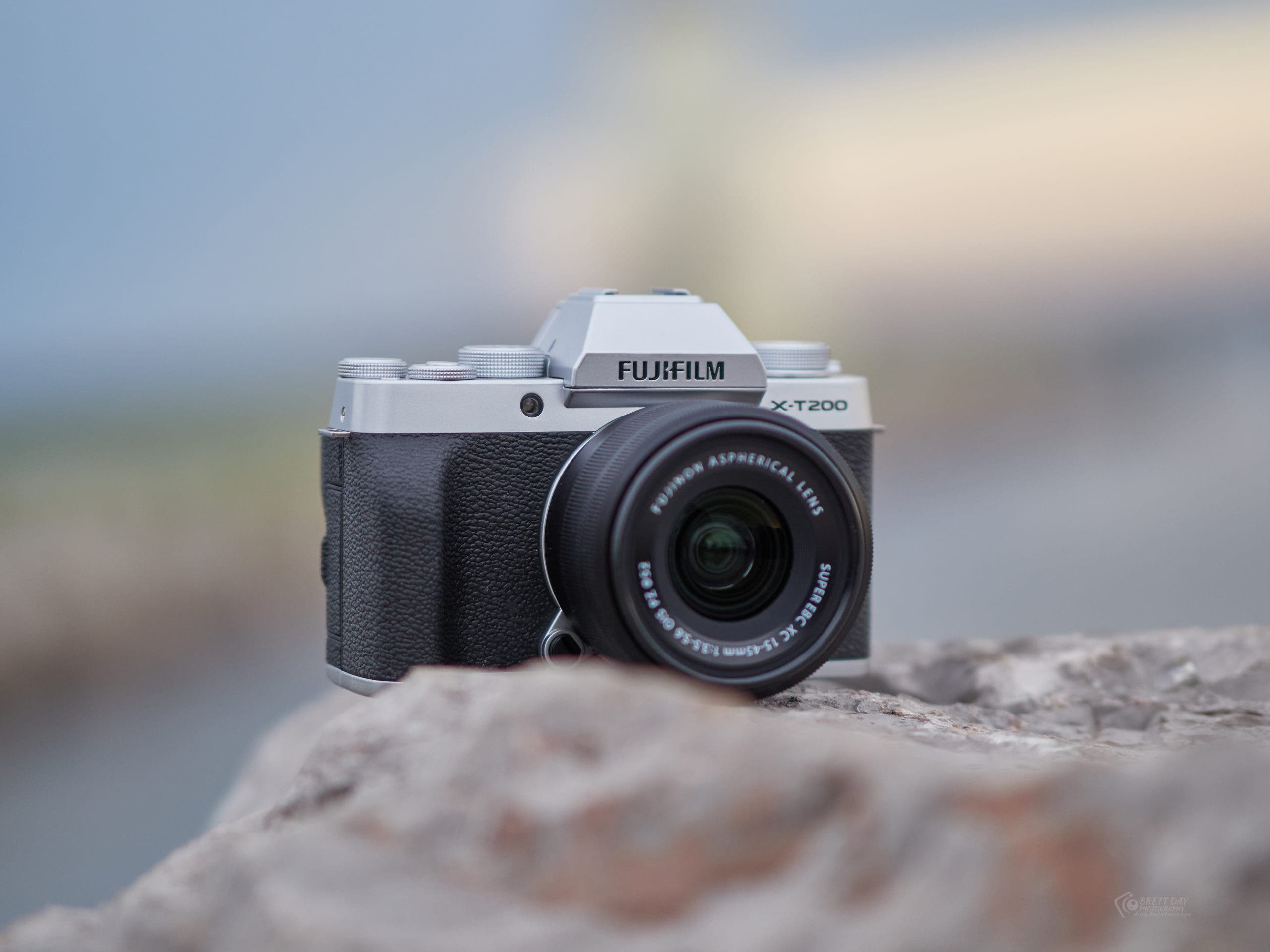 Deal Alert: The Excellent Fujifilm XT200 With Lens is Just $499.95! WOW!