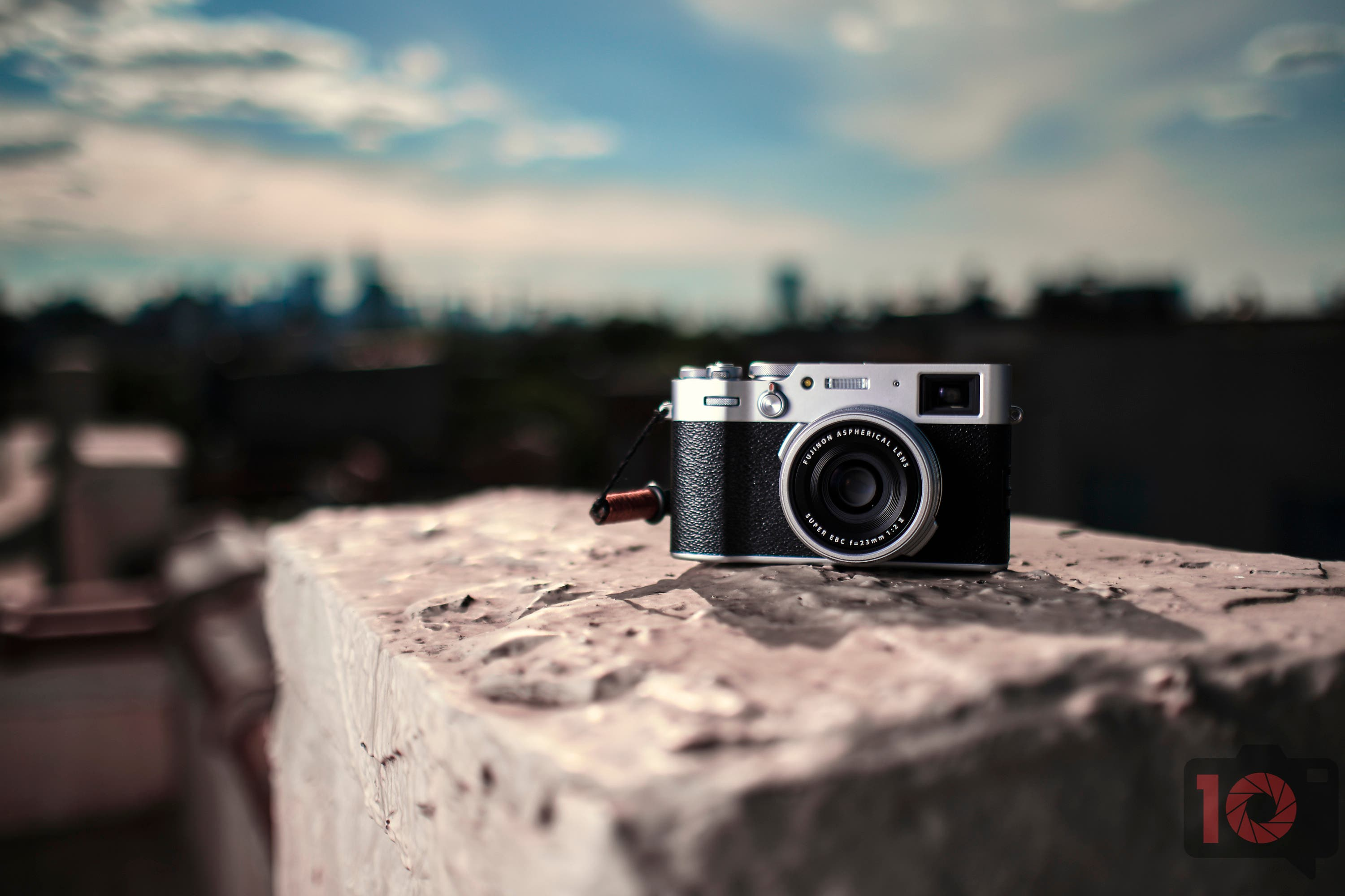 The 3 Best Stealthy Cameras for Street Photography Ninjas
