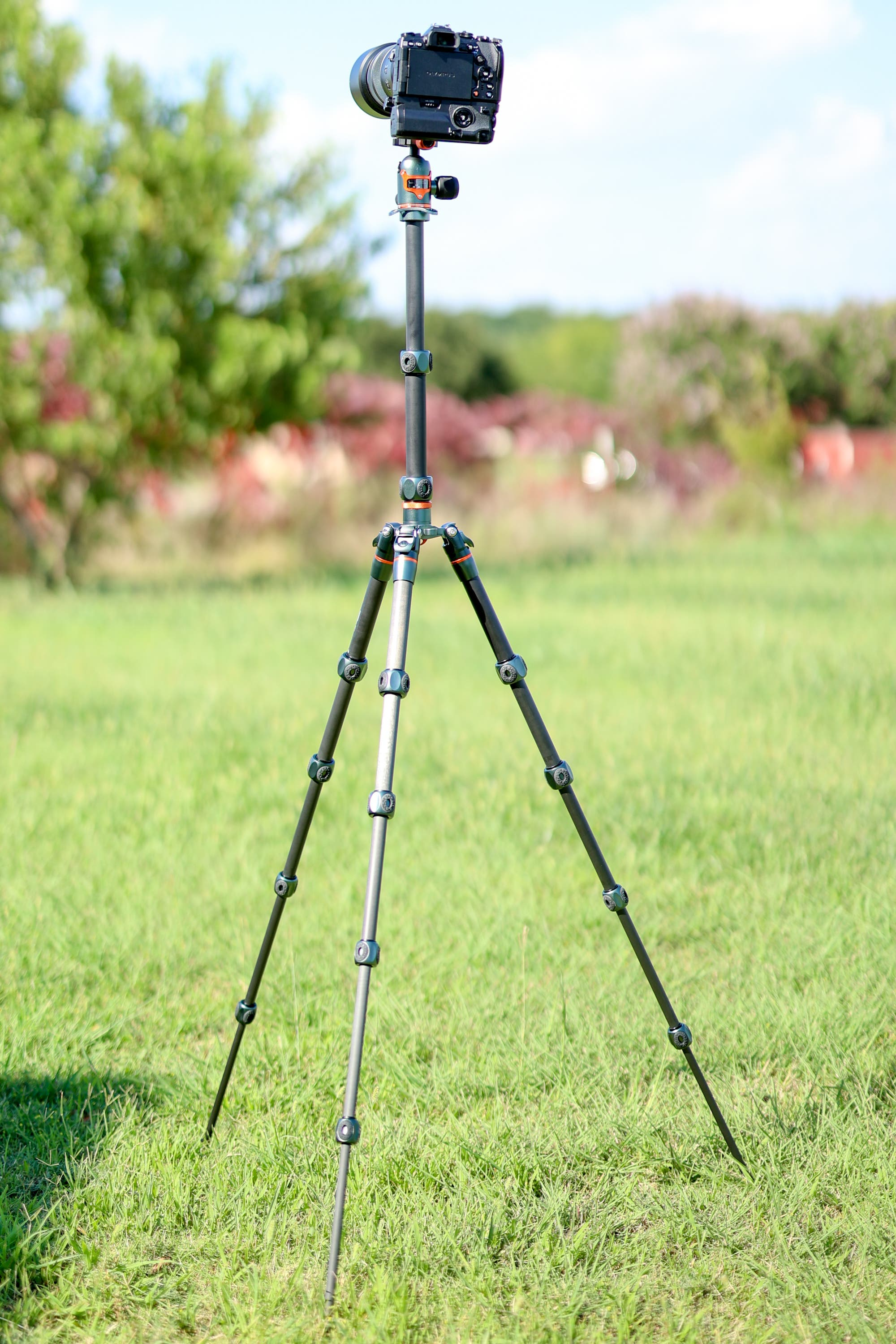 Who Knew Tripods Could Be Cool? The 3 Legged Thing Ray Tripod Is