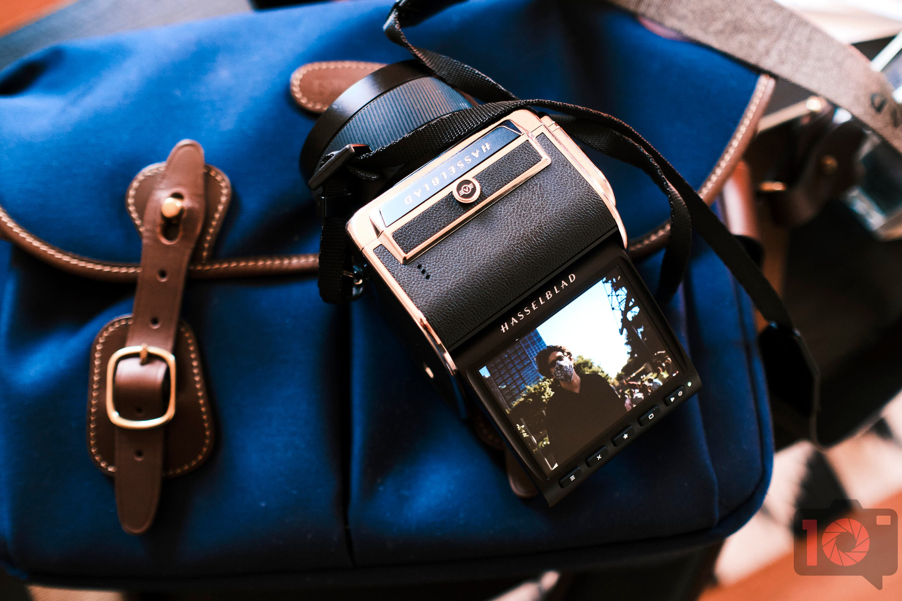 Hasselblad, Stop Living In the Past and Worry More About the Future