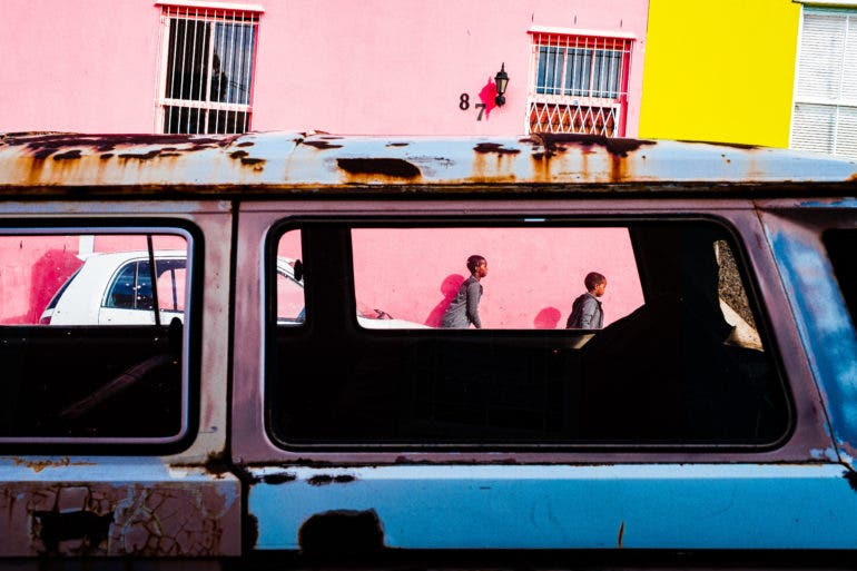 Street Photographer Jonathan Bernheimer Puts Color in the Spotlight