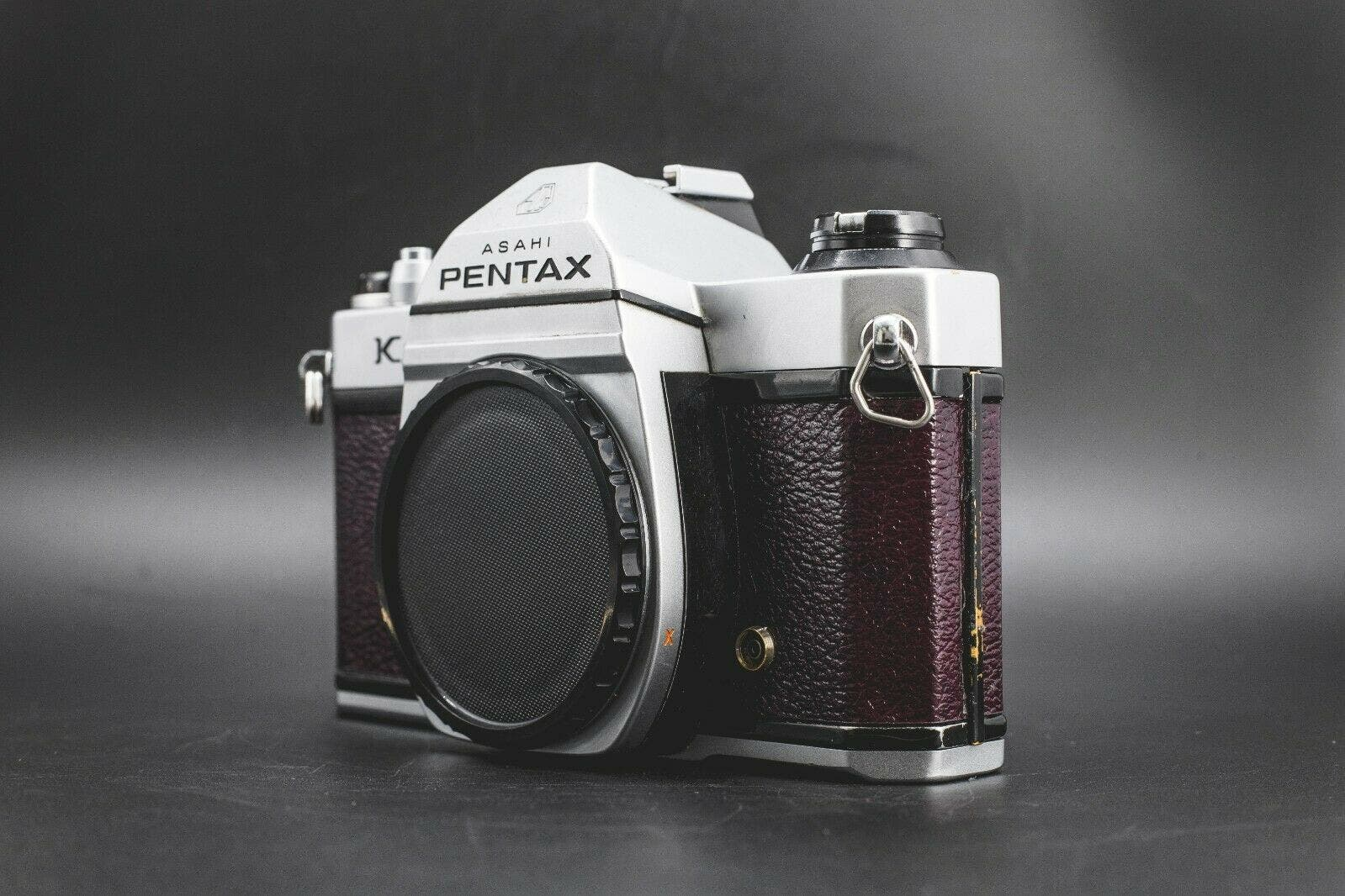 This Stunning Burgundy Pentax K1000 Has a Story Behind It
