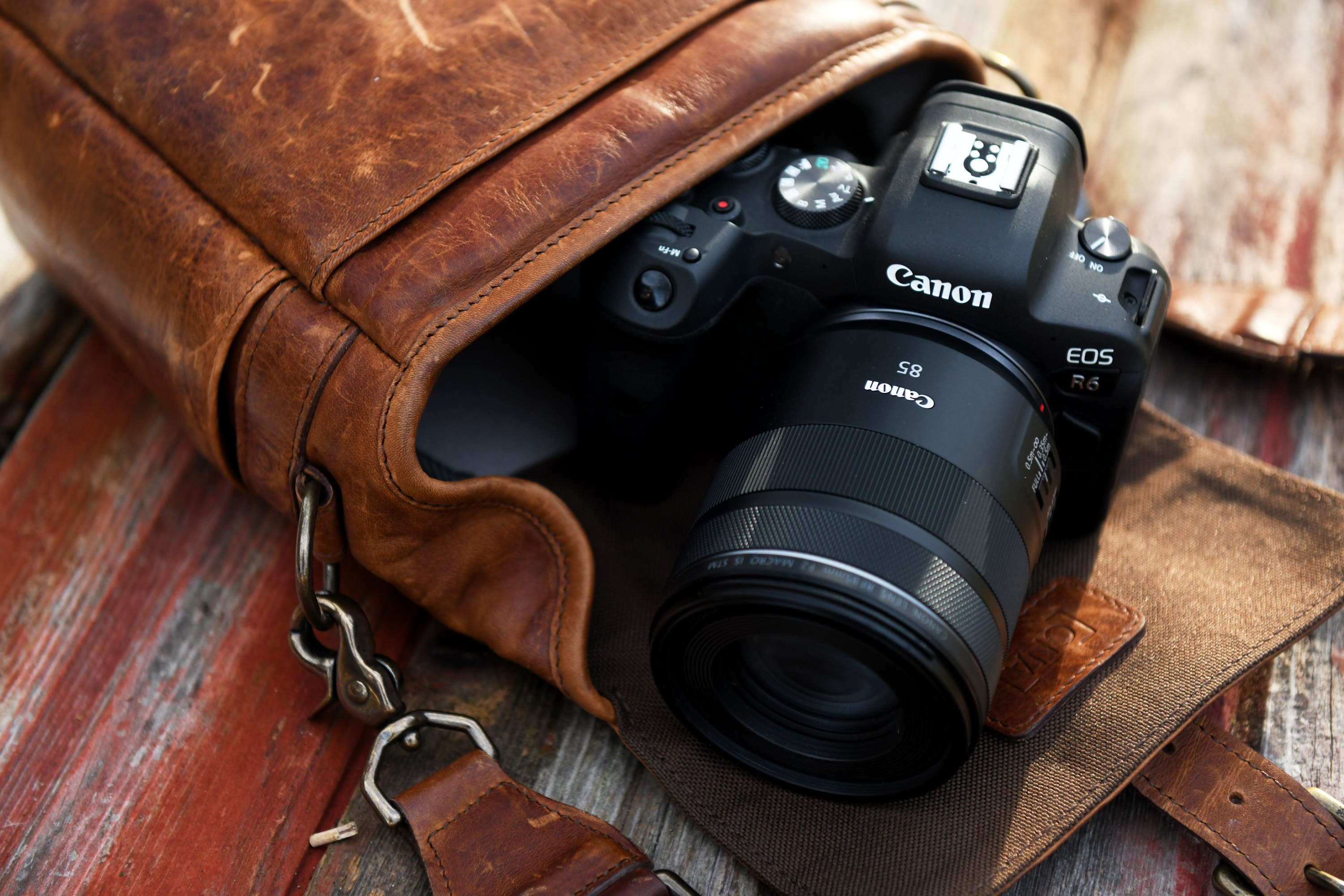 Budget Portrait Magic: Canon RF 85mm F2 Macro IS STM Review