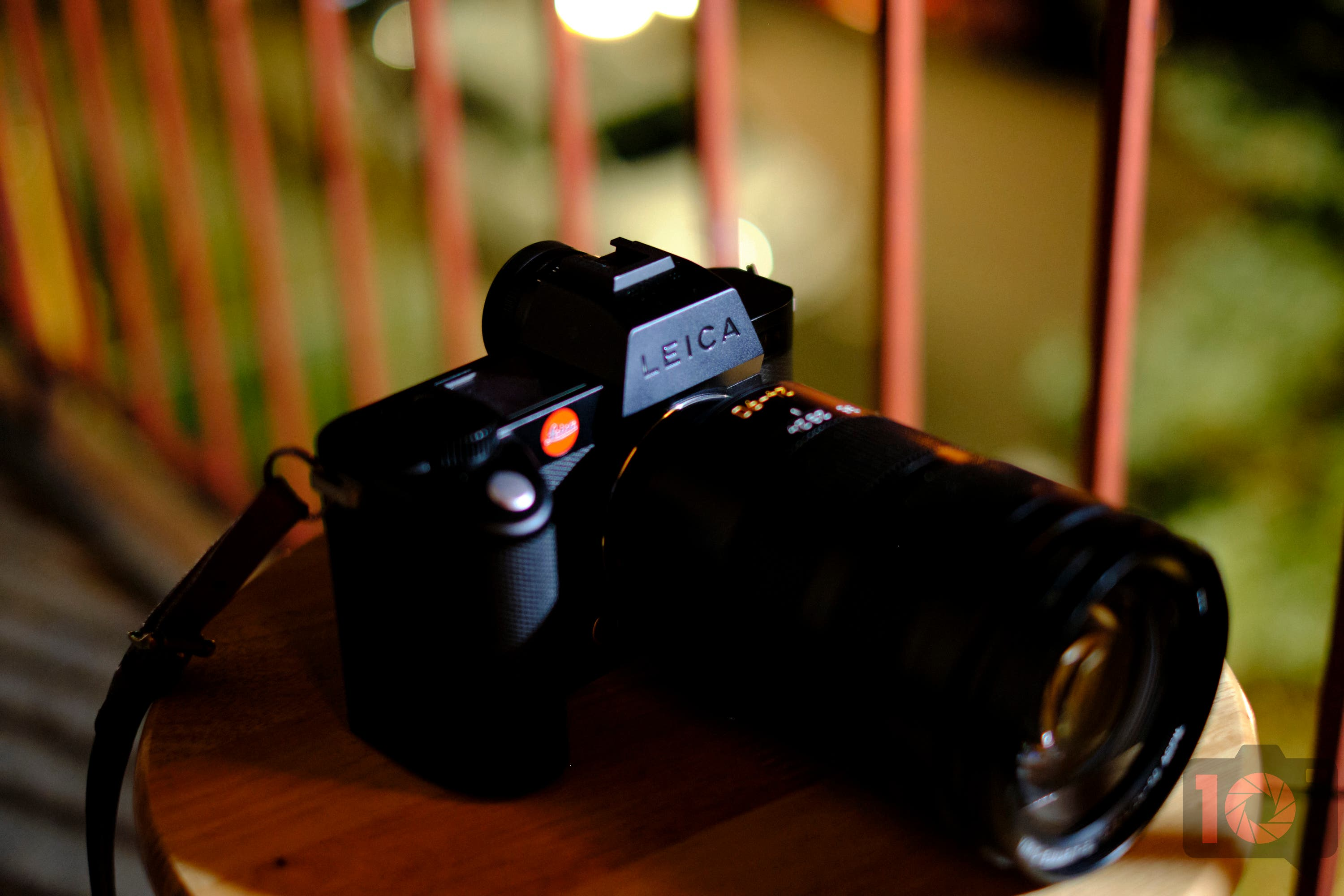 The Leica SL2s Autofocus Now Matches Canon and Sony's Speed