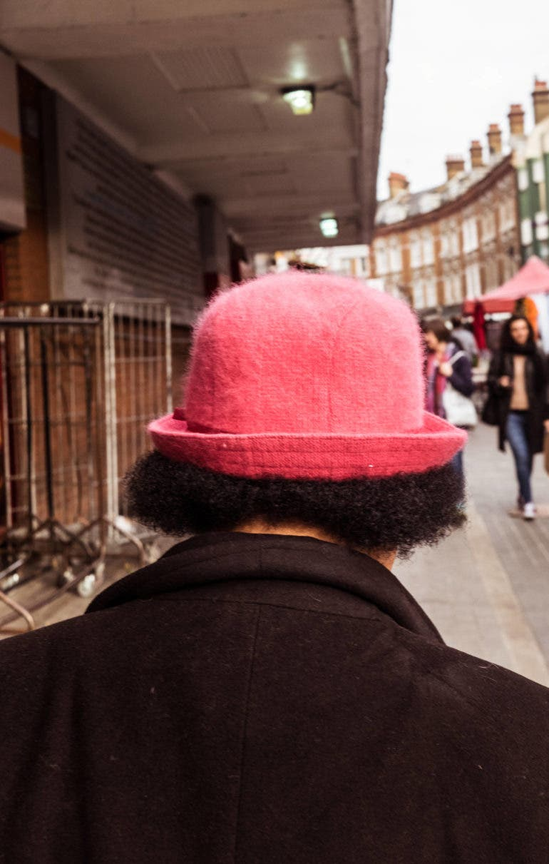 4 Painful Signs You're Void of Confidence in Street Photography