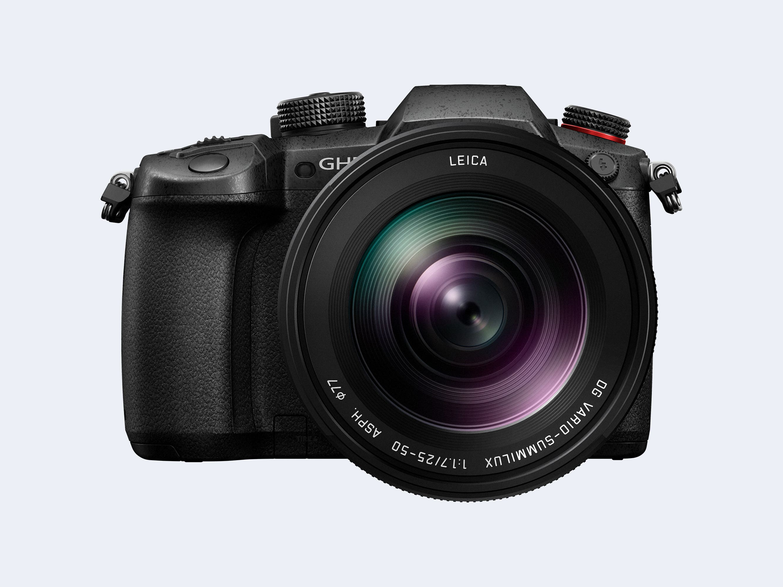 The Panasonic 25-50mm F1.7 Raises Important Questions about Micro 43