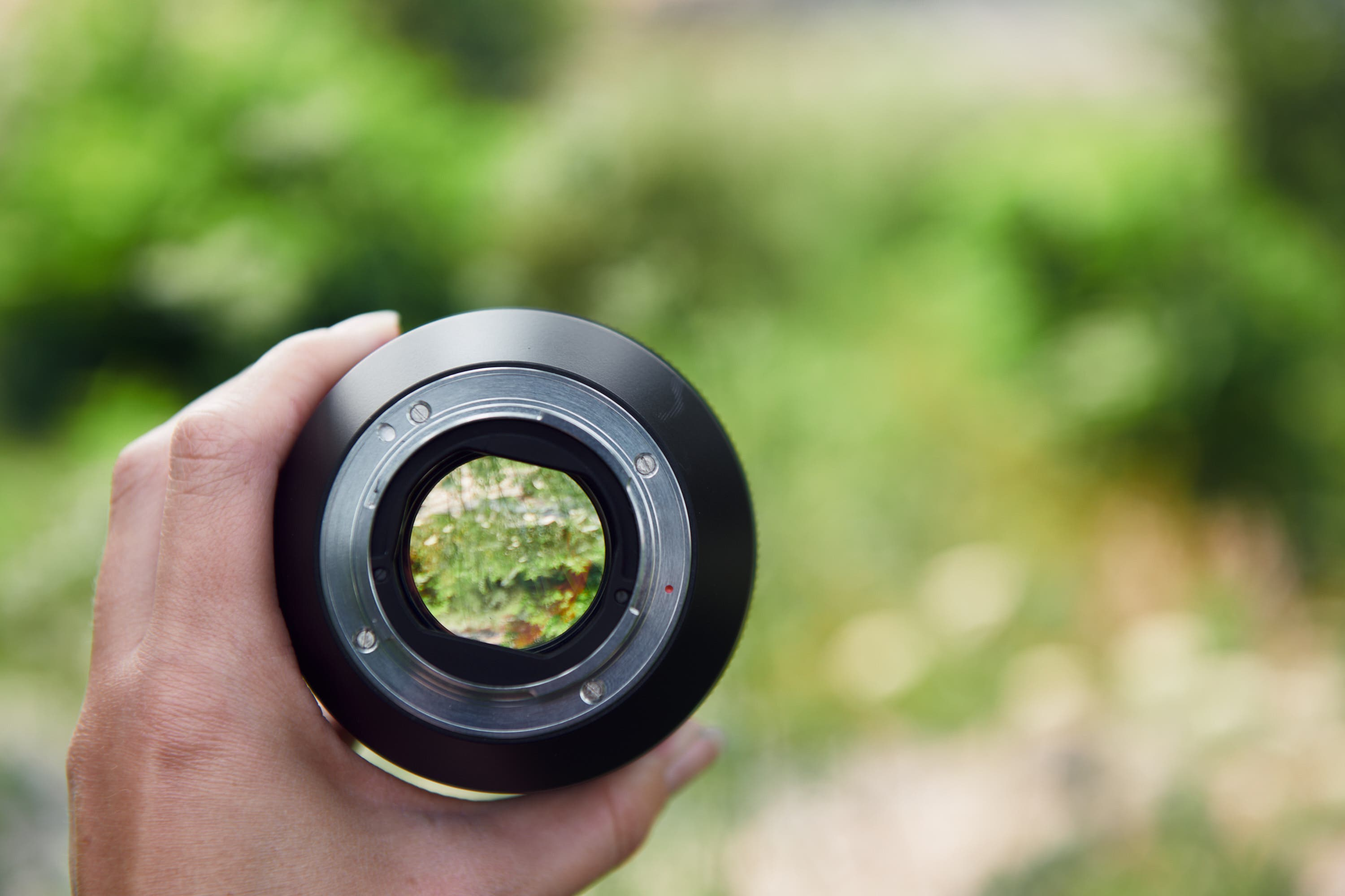 This Massive, Unique 50 Is Imperfectly Beautiful: Zenit 50mm F0.95 Review