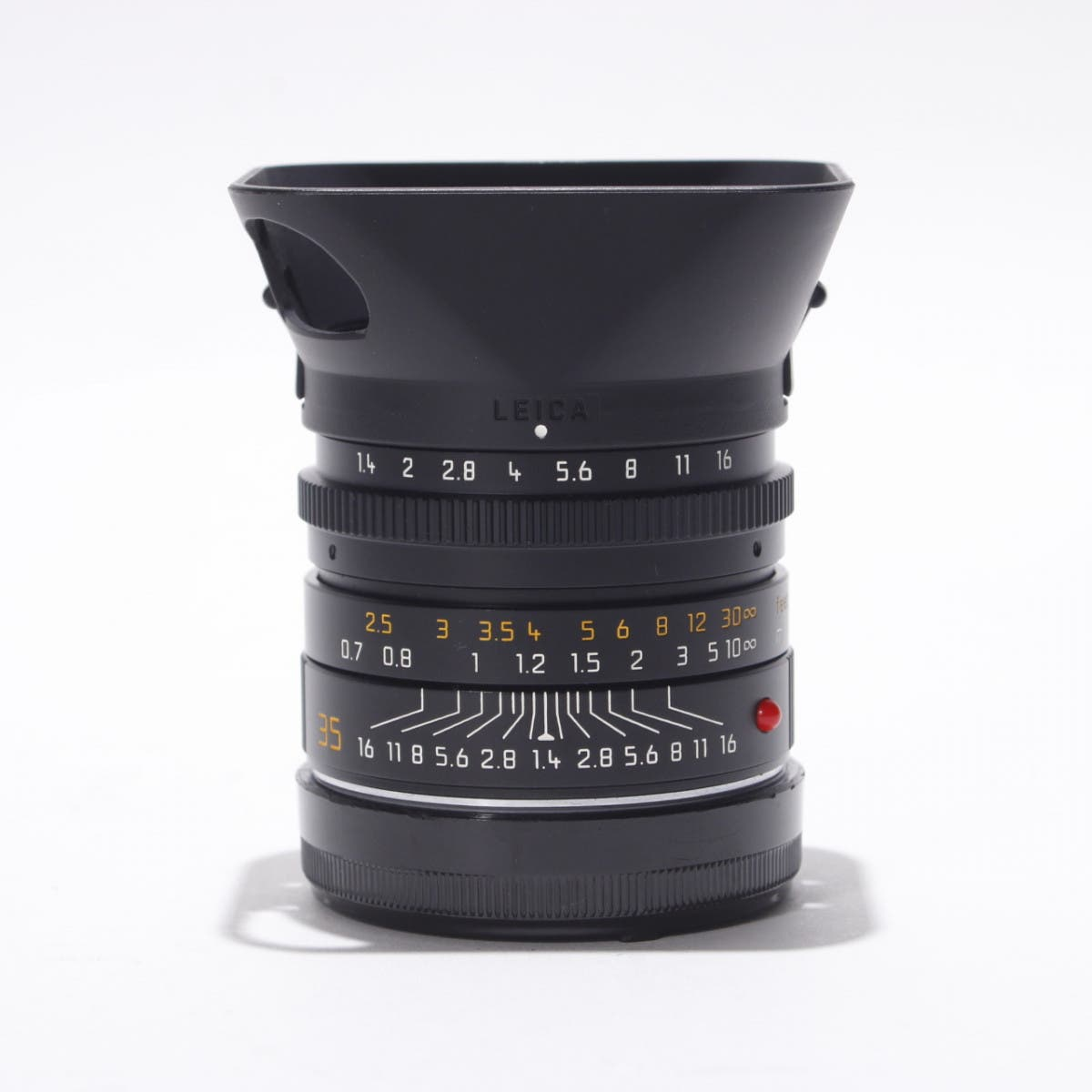 This Leica 35mm F1.4 Lens and Its Beautiful Bokeh Can Be Yours
